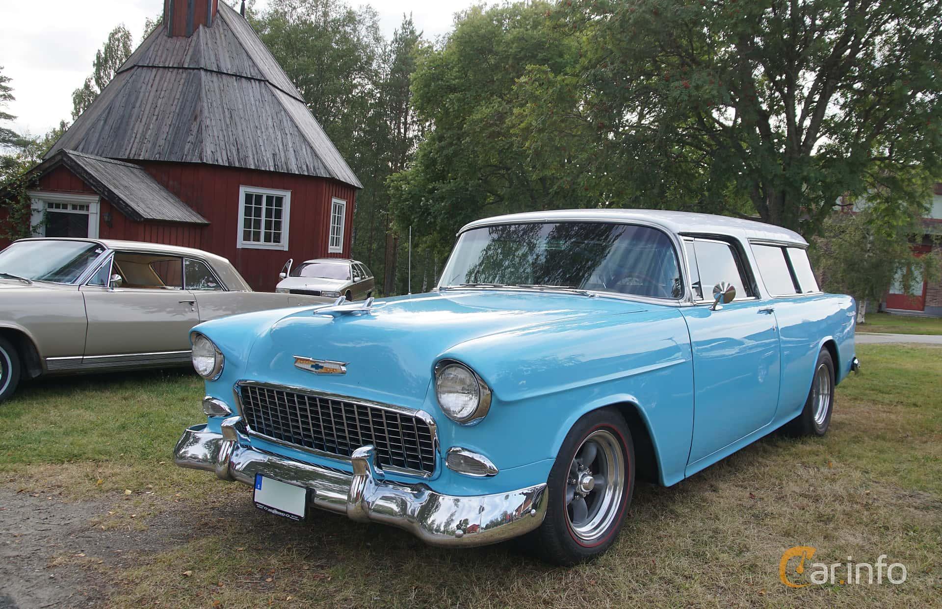 Front/Side  of Chevrolet Bel Air Nomad 4.3 V8 Powerglide, 165ps, 1955 at Onsdagsträffar på Gammlia Umeå 2019 vecka 32