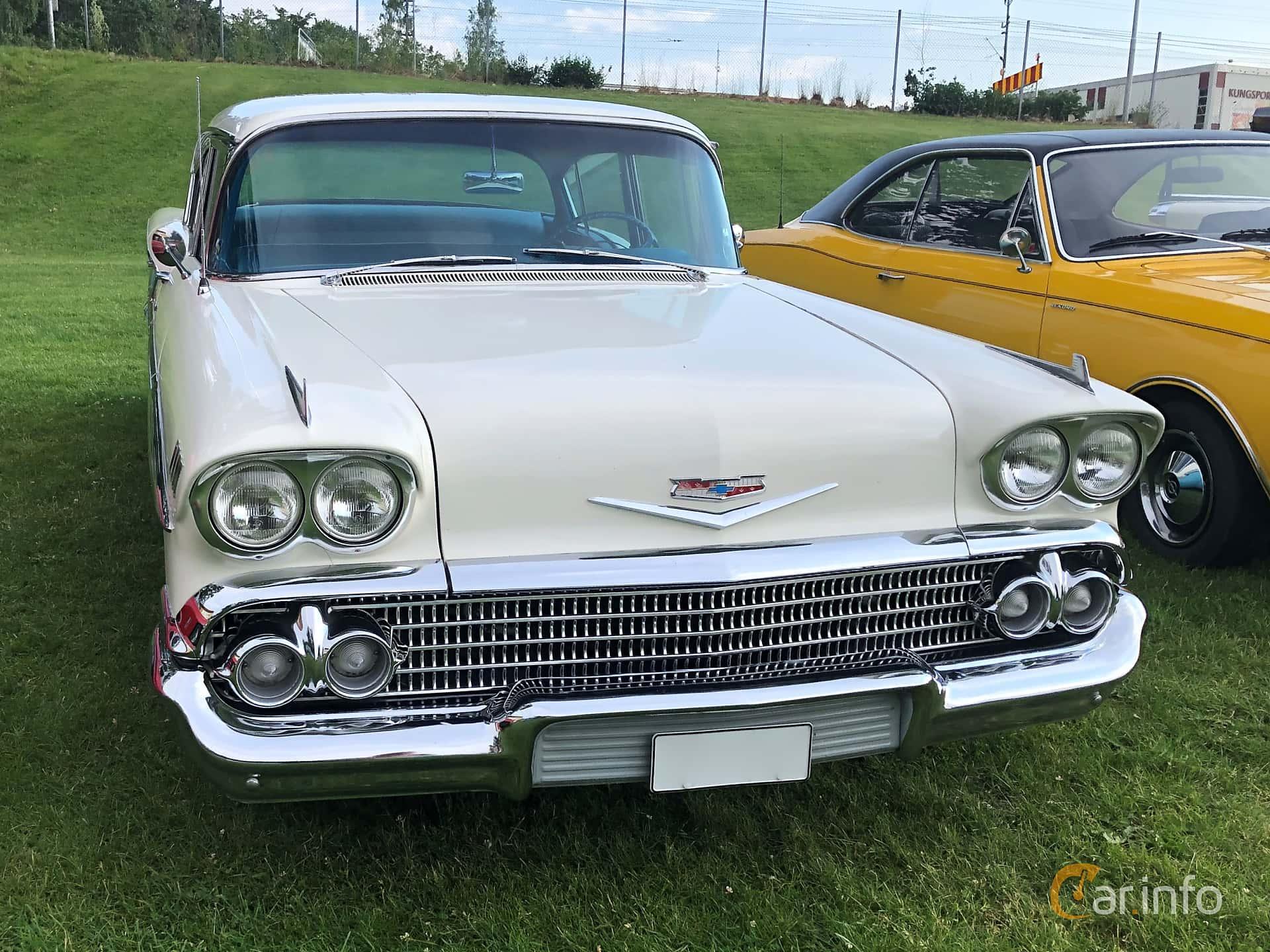 Chevrolet Bel Air 4-door Sedan 4.6 V8 Powerglide, 188hp, 1958 at Bil & MC-träffar i Huskvarna Folkets Park 2019 vecka 25 tema GM-bilar