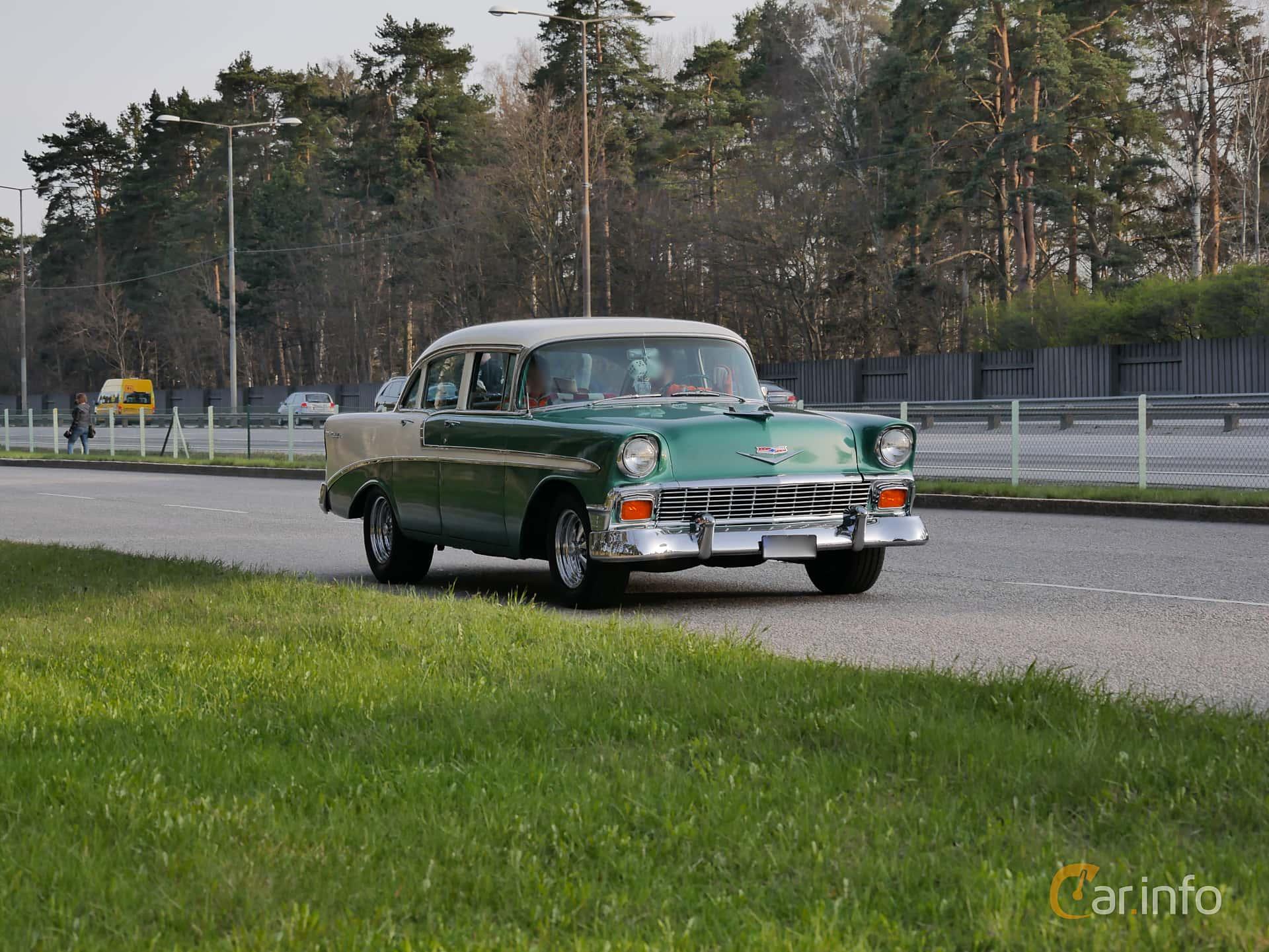 Chevrolet Bel Air 4-door Sedan 4.3 V8 Powerglide, 173hp, 1956 at Valborgscruising i Stockholm 2016