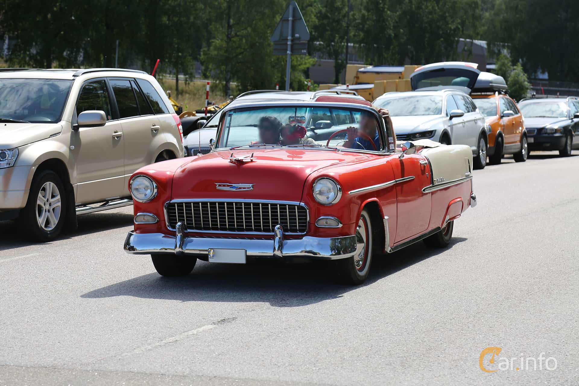 Front/Side  of Chevrolet Bel Air Convertible 4.3 V8 Powerglide, 165ps, 1955 at A-bombers - Old Style Weekend Backamo 2019
