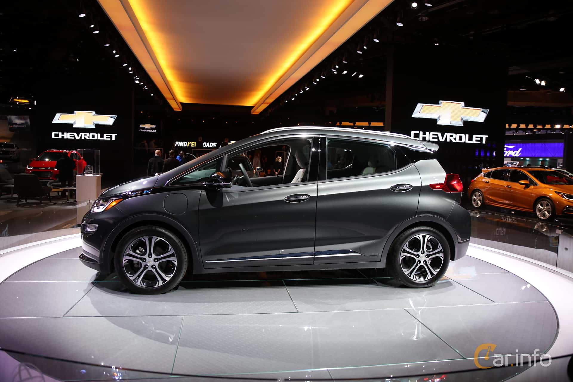 Side  of Chevrolet Bolt 60 kWh Single Speed, 204ps, 2017 at North American International Auto Show 2017