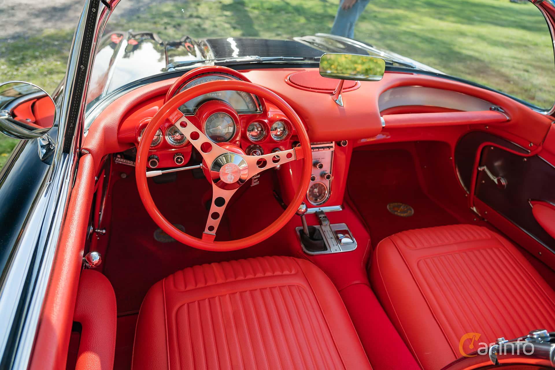 Interior of Chevrolet Corvette 4.6 V8 Manual, 270ps, 1958 at Lissma Classic Car 2019 vecka 20