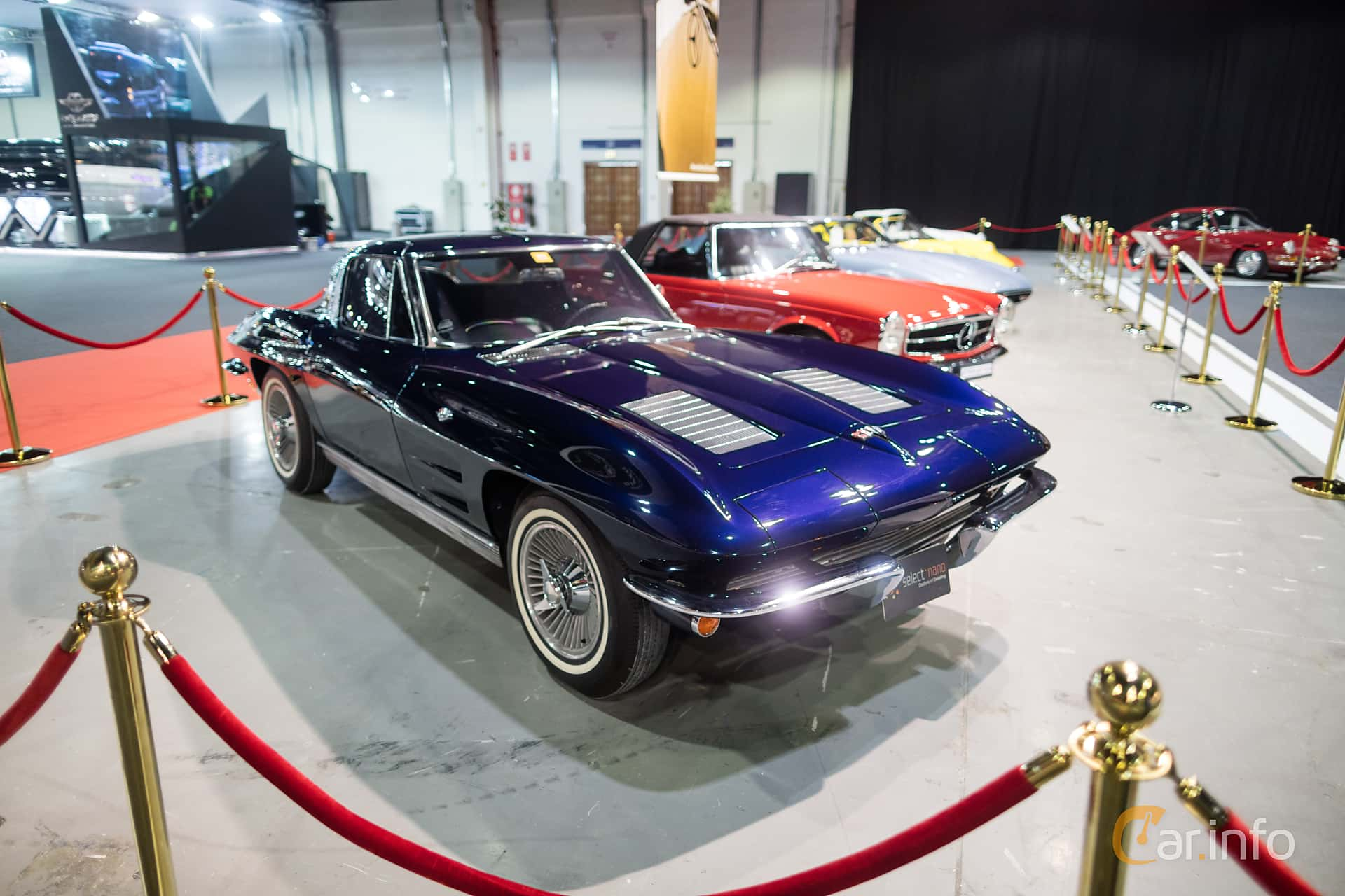 2 images of Chevrolet Corvette Stingray 1963 by Jarbo