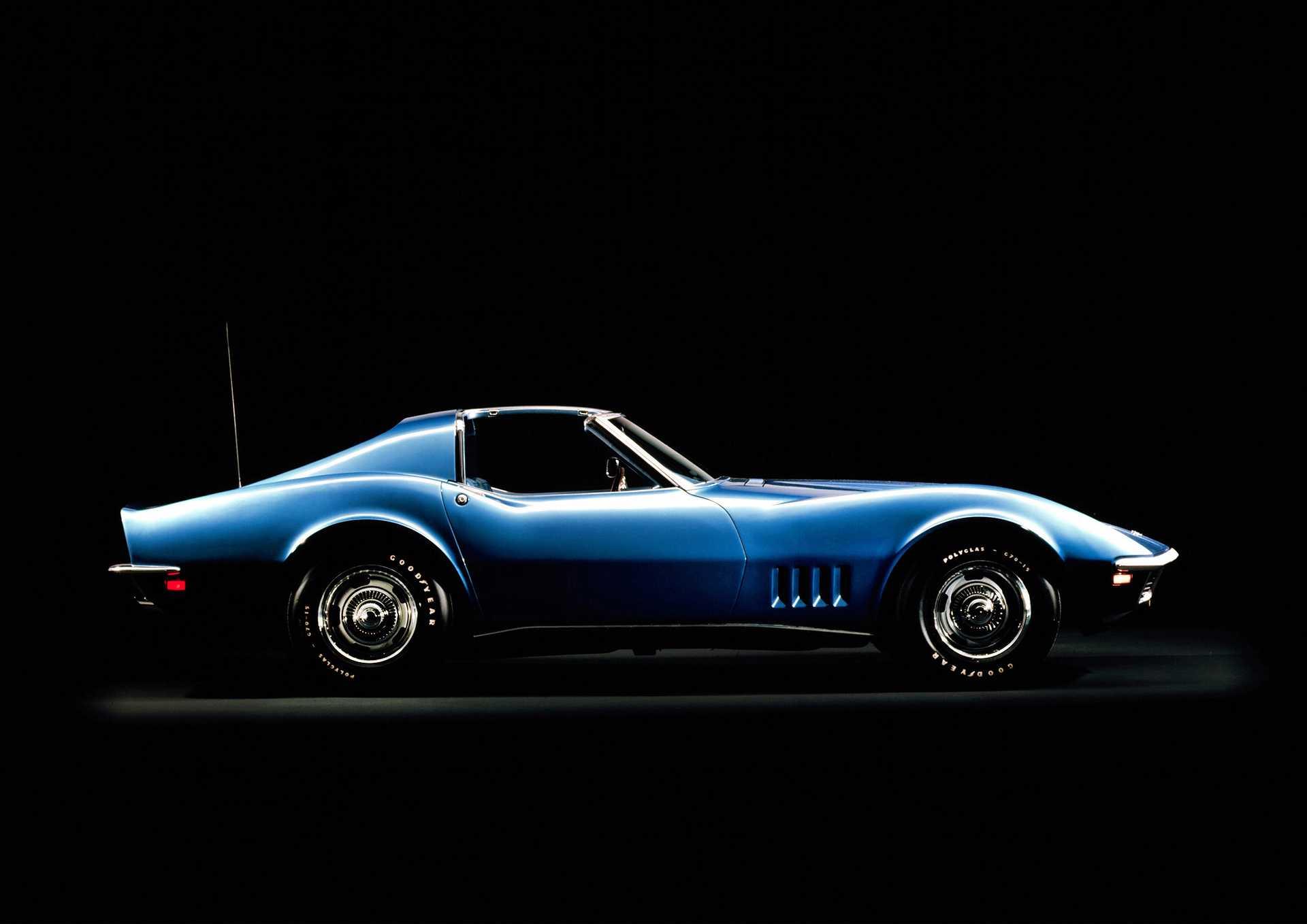 [Image: chevrolet-corvette-side-0-351518.jpg]