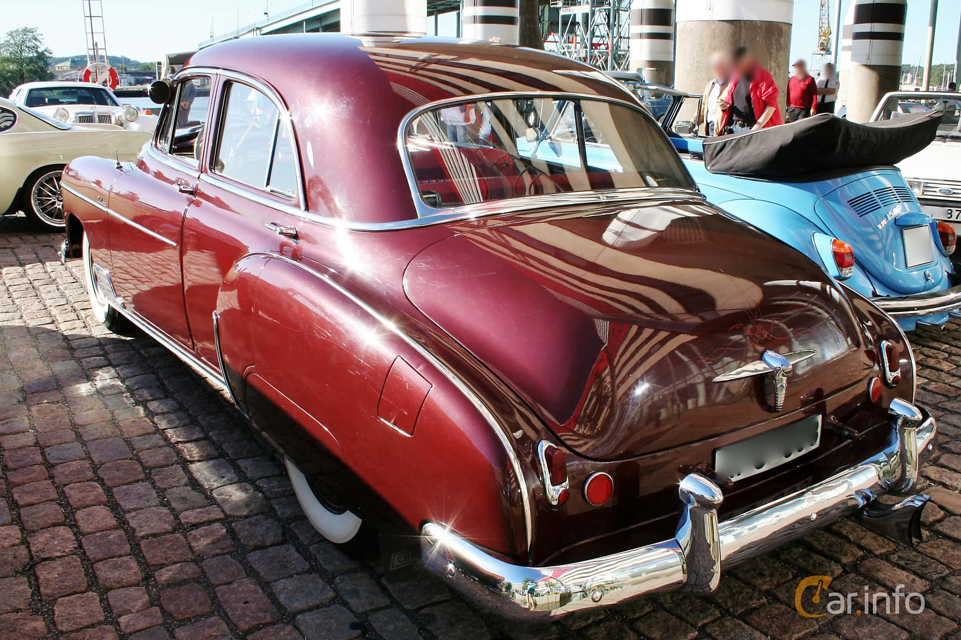 Chevrolet Styleline Deluxe 4-door Sedan 3.5 Manual, 93hp, 1950