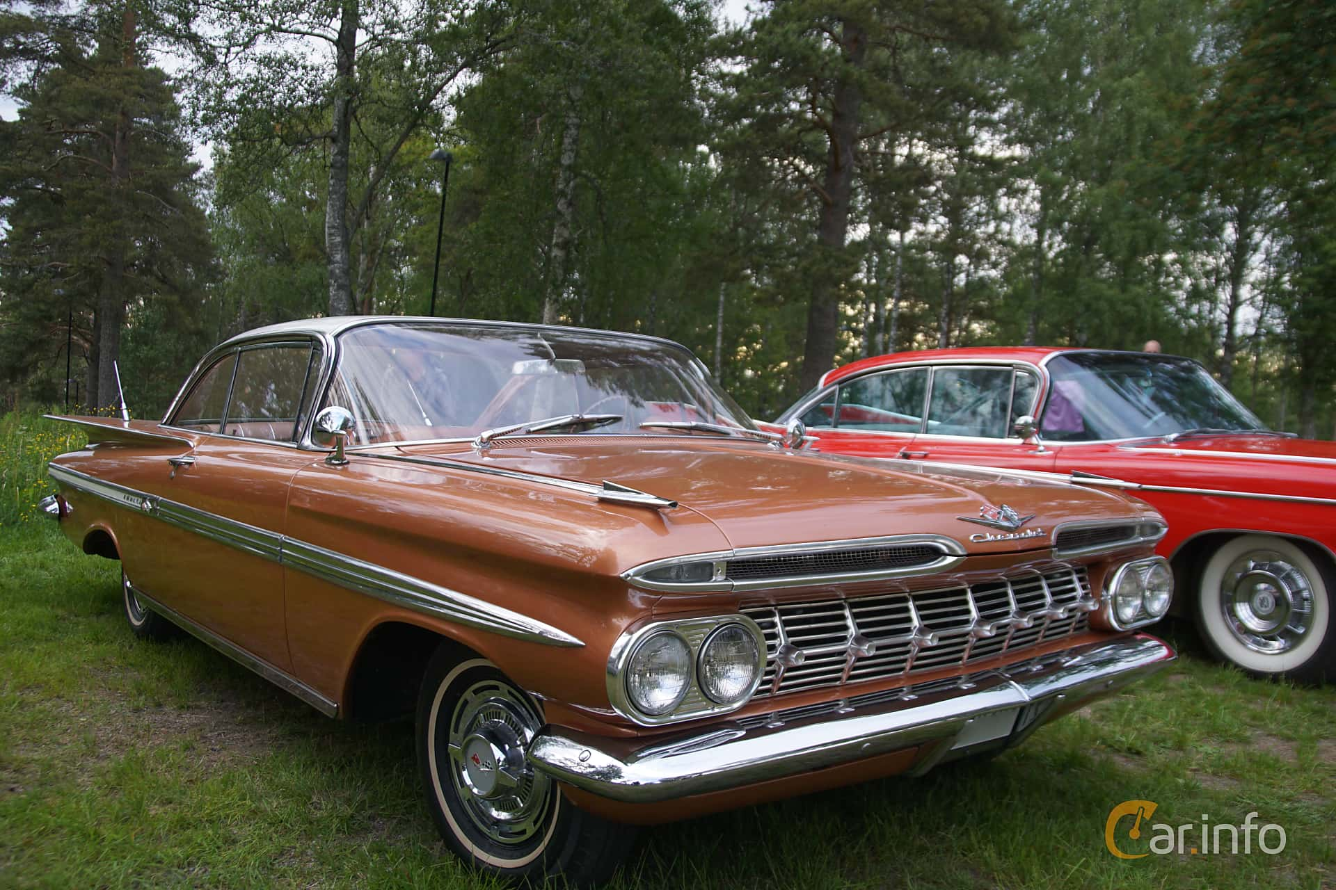 2 Images Of Chevrolet Impala Sport Coupe 4 6 V8 Powerglide