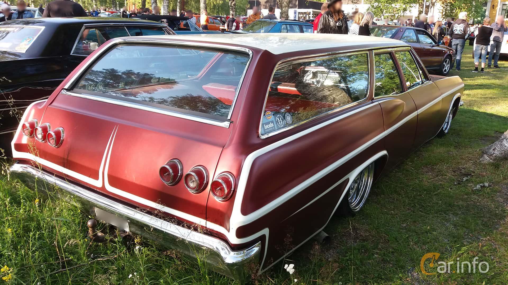 Back/Side of Chevrolet Impala 2-seat Station Wagon 4.6 V8 Powerglide, 198ps, 1965 at Onsdagsträffar på Gammlia Umeå 2019 vecka 28
