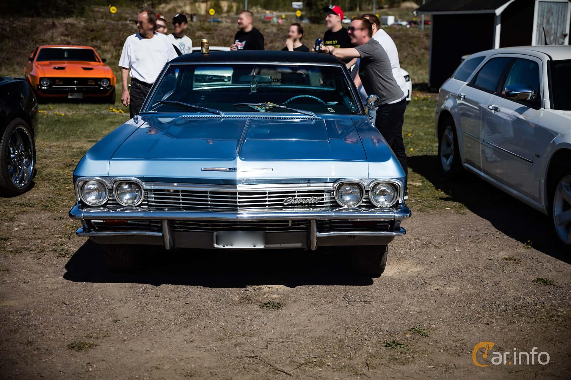 Chevrolet Impala Sport Sedan 6.5 V8 Powerglide, 329hp, 1965 at Örebro Spring meet 2016