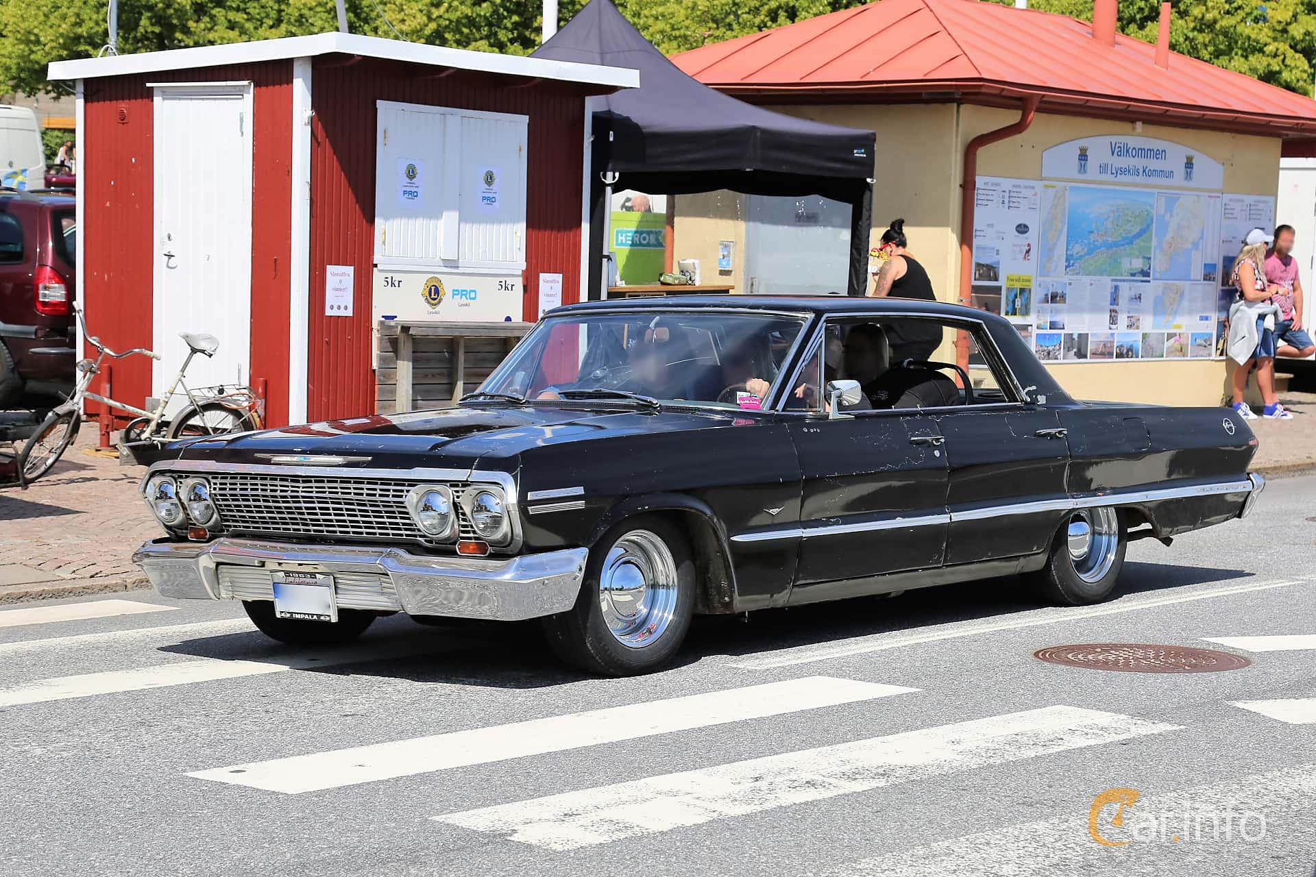 Chevrolet Impala Sport Sedan 4.6 V8 Powerglide, 198hp, 1963 at Cruising Lysekil 2018