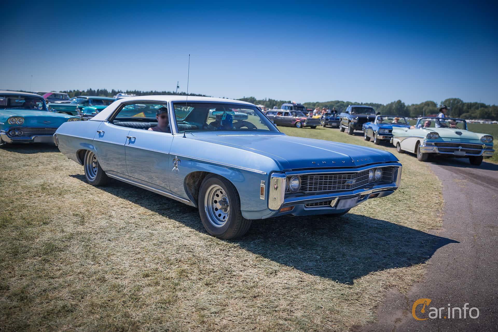 2 images of Chevrolet Impala Sport Sedan 5 4 V8 Powerglide 238hp