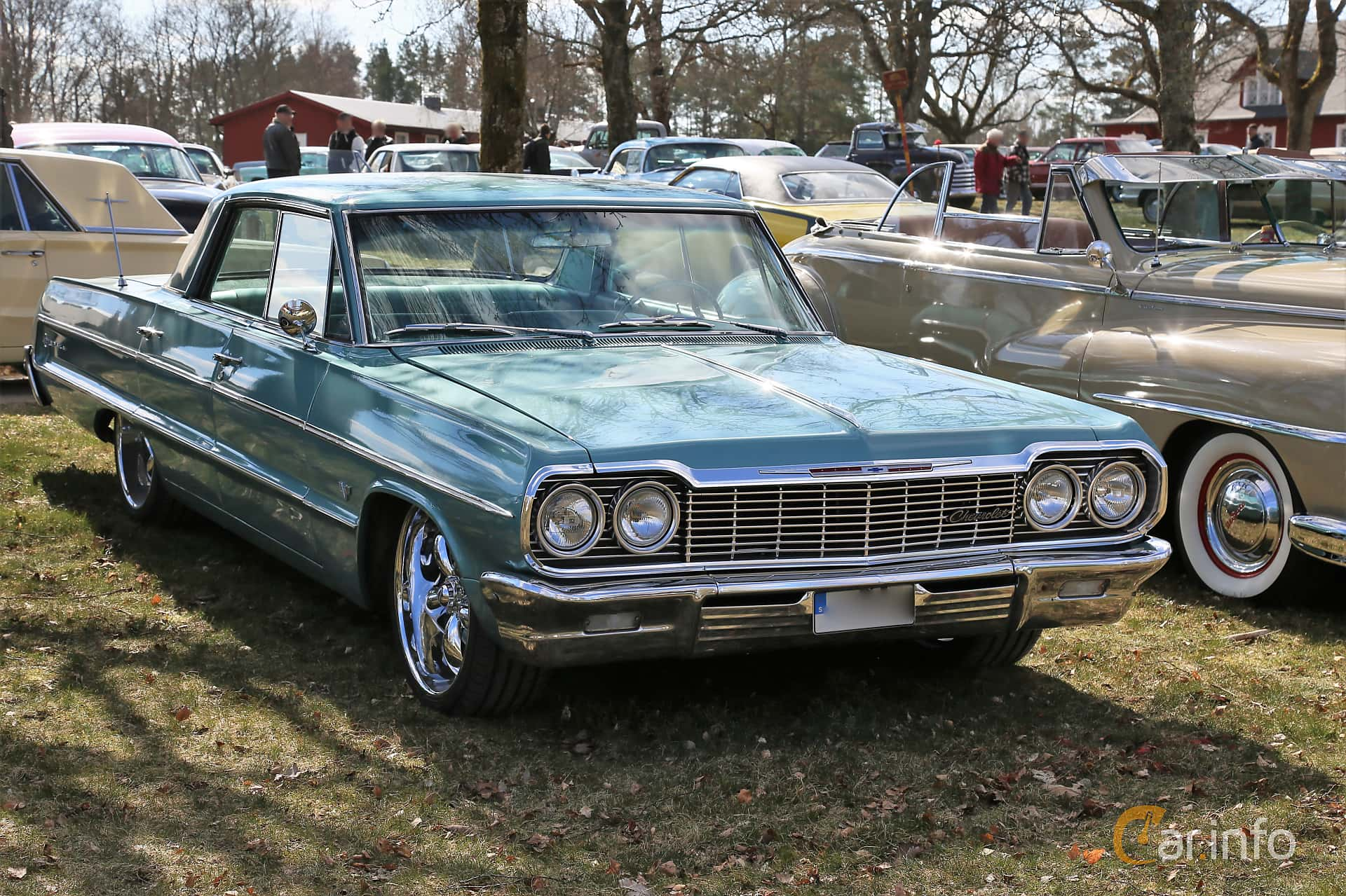 Chevrolet Impala Sport Sedan 5.4 V8 Powerglide, 253hp, 1964 at Uddevalla Veteranbilsmarknad Backamo, Ljungsk 2019