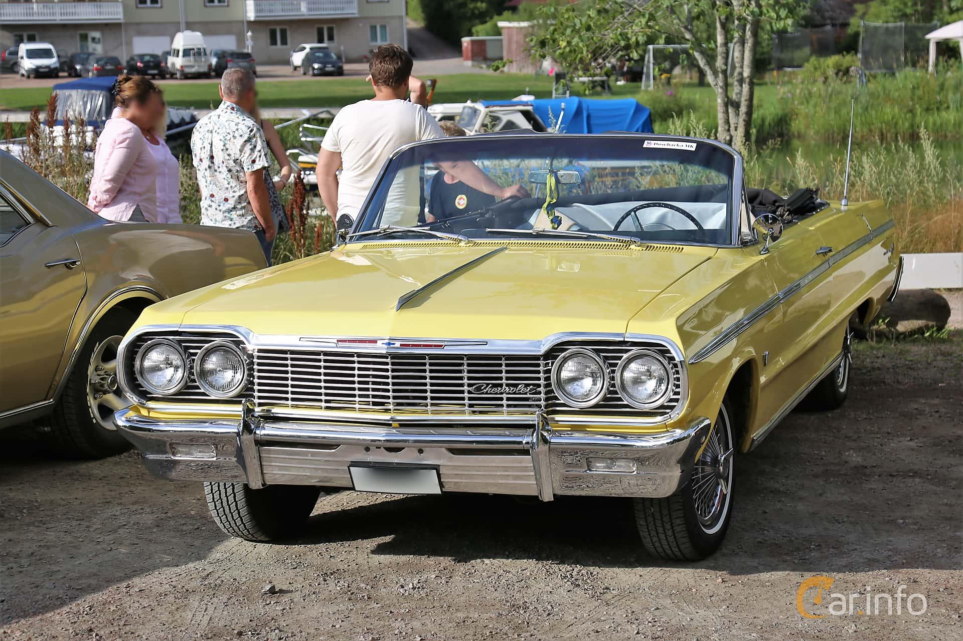 Chevrolet Impala Super Sport Convertible 4.6 V8 Powerglide, 198hp, 1964 at Kungälvs Kulturhistoriska Fordonsvänner  2019 Torsdag vecka 31