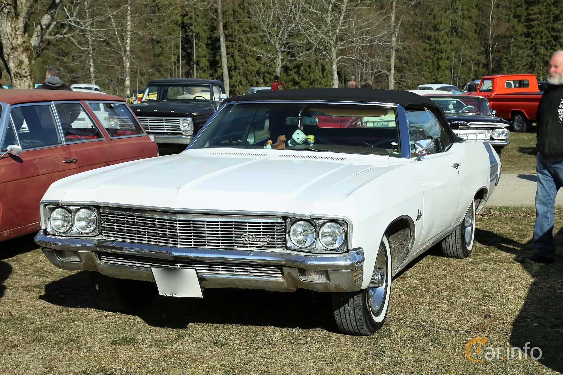 Chevrolet Impala Convertible 5.7 V8 Powerglide, 253hp, 1970 at Uddevalla Veteranbilsmarknad Backamo, Ljungsk 2019