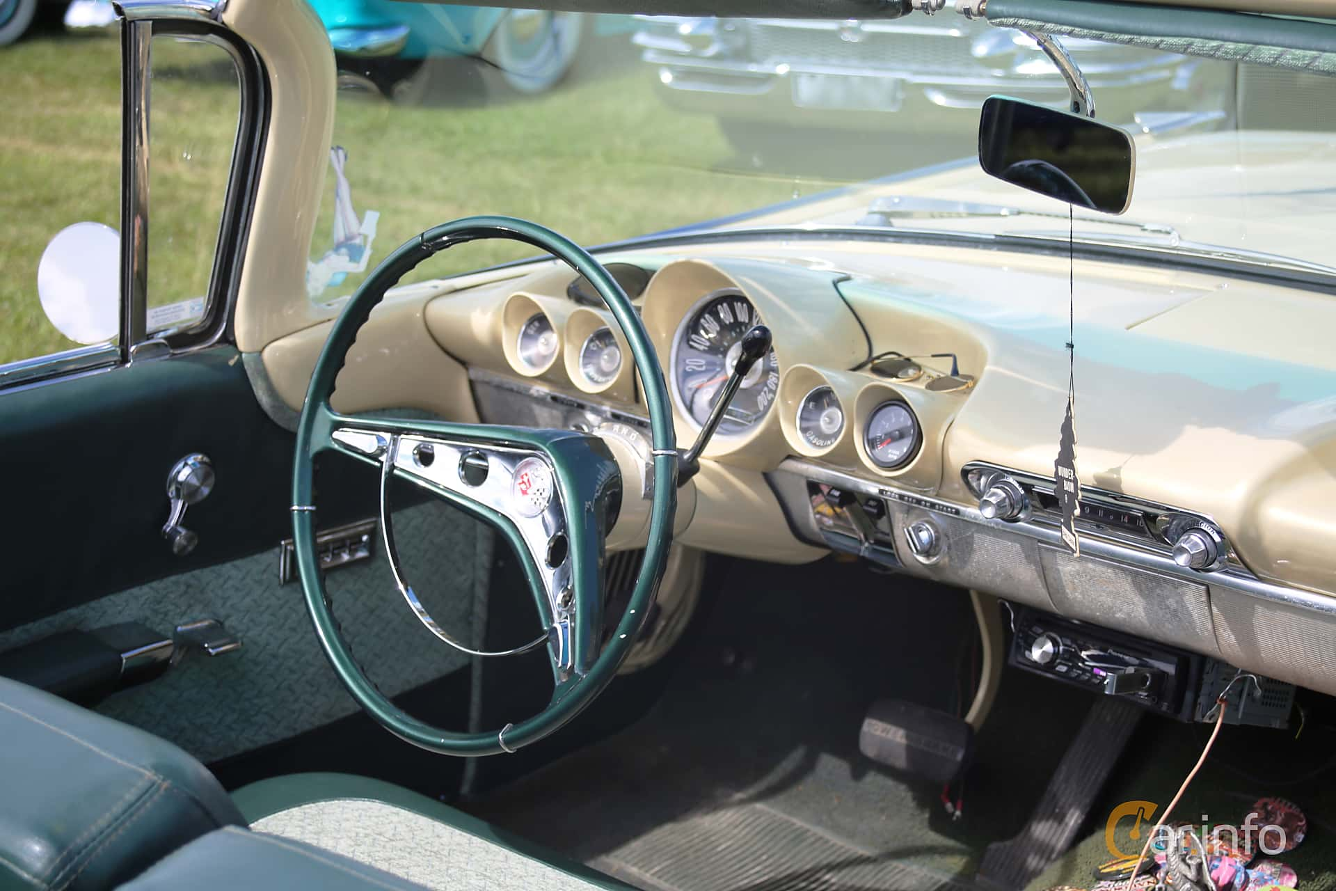 2 images of Chevrolet Impala Convertible 5 7 V8 Powerglide