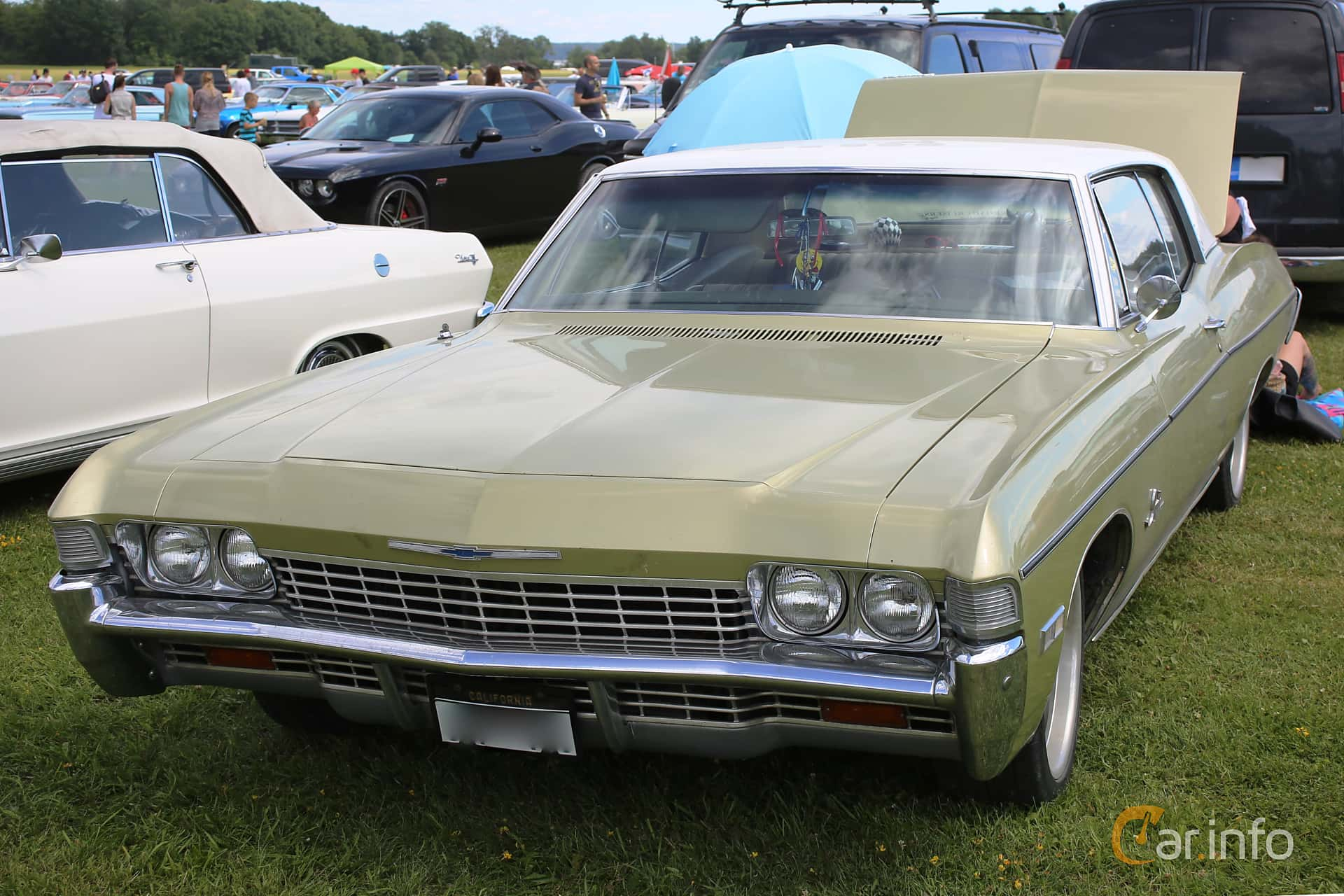 1 Images Of Chevrolet Impala Custom Coup 54 V8 Powerglide 279hp 1968 Coupe Front Side 279ps At