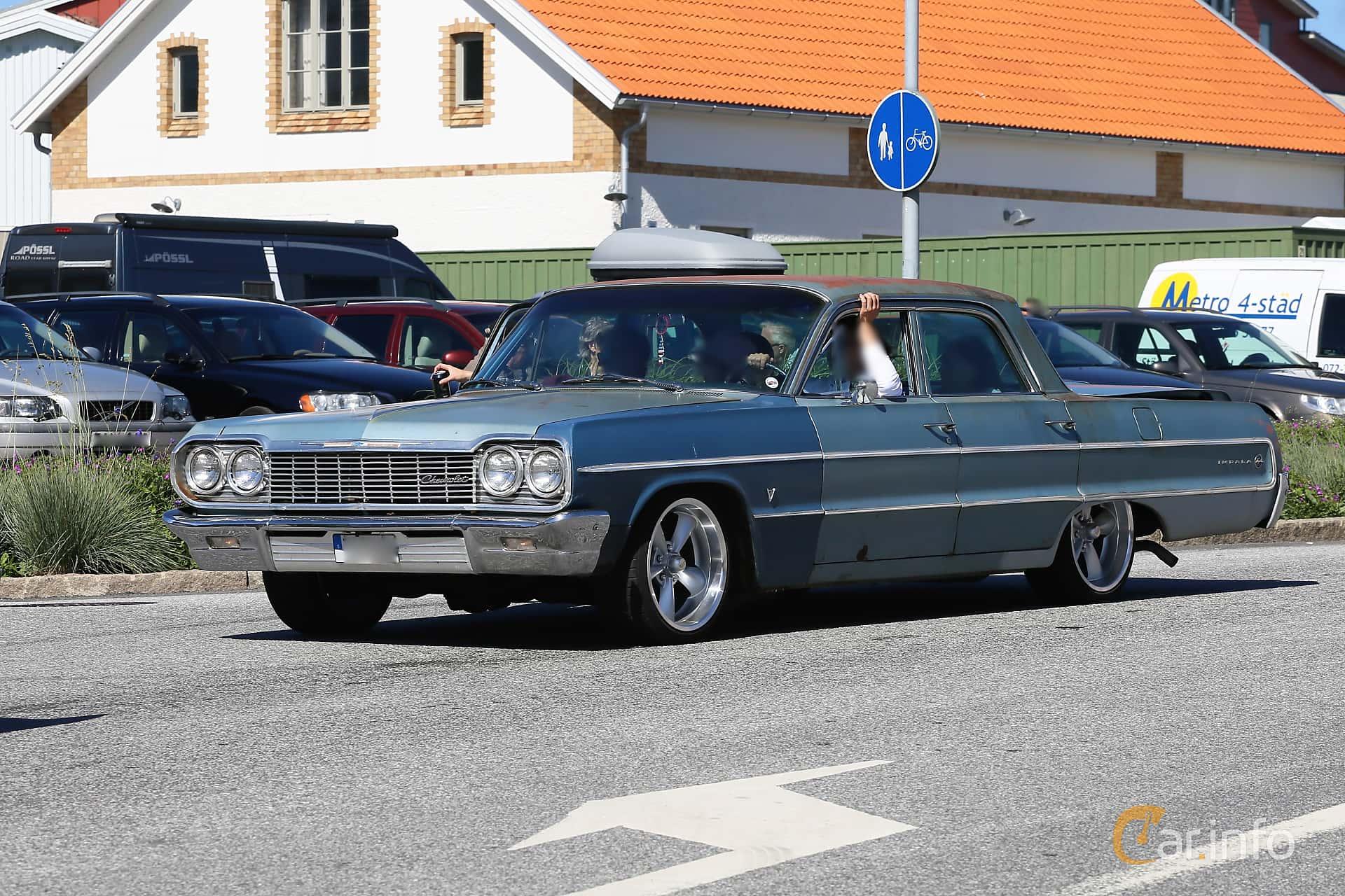 Chevrolet Impala Sedan 4.6 V8 Powerglide, 198hp, 1964 at Cruising Lysekil 2019