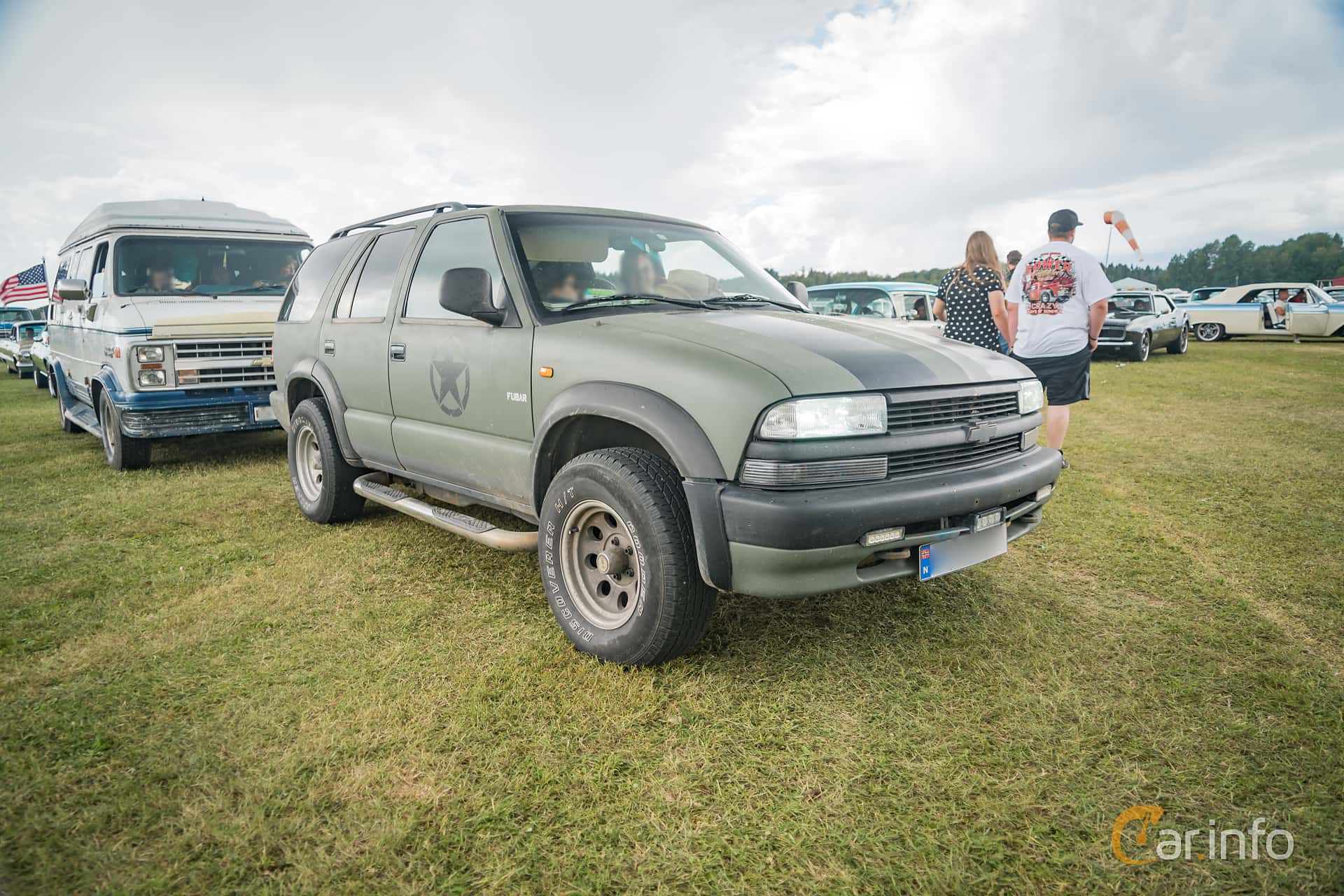 Front/Side  of Chevrolet Blazer 4-door 4.3 V6 4WD Hydra-Matic, 193ps, 1999 at Power Big Meet 2016