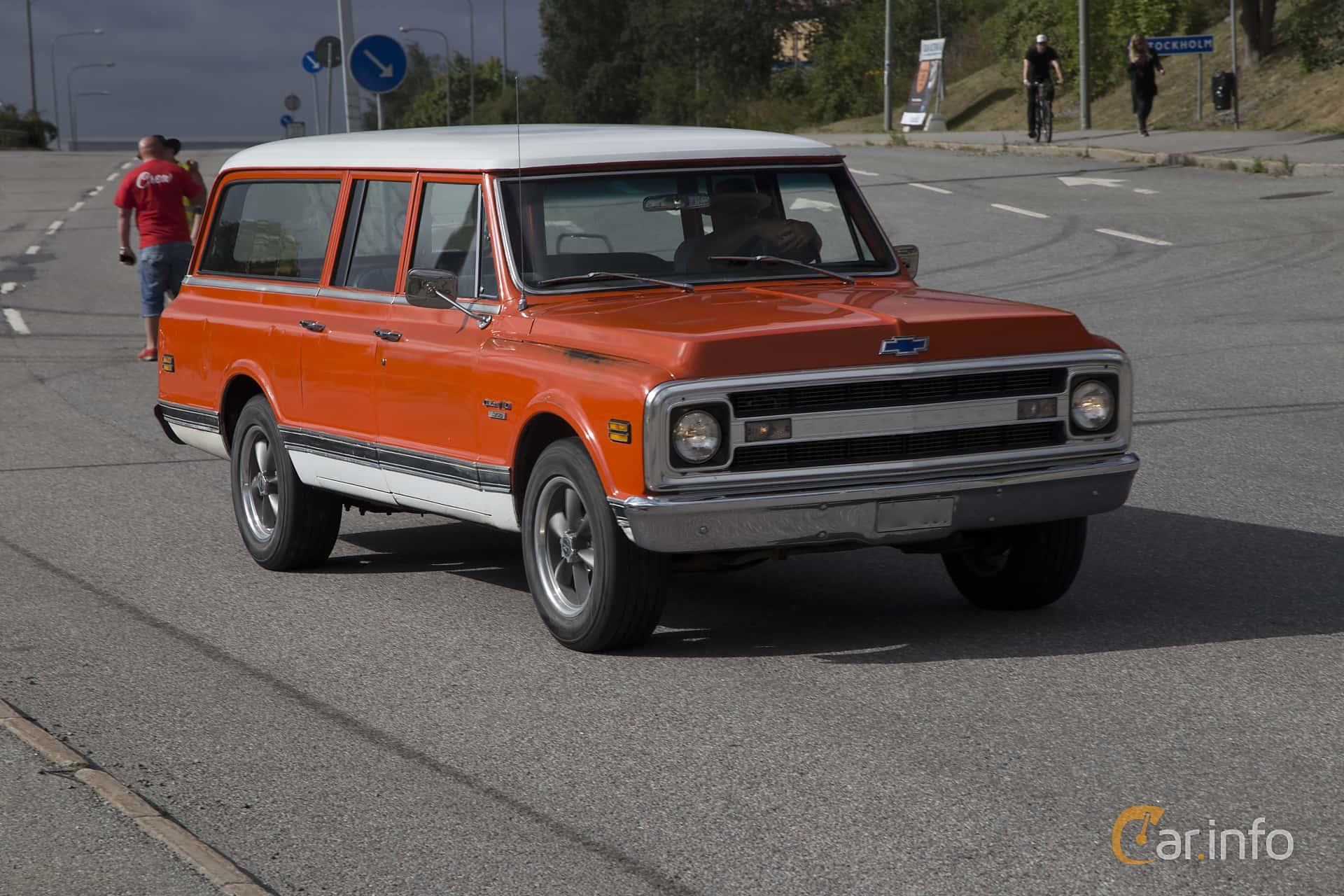 Chevrolet C10 Suburban Carryall 5.7 V8 Hydra-Matic, 259hp, 1970 at Wheels Nationals Stockholm 2017