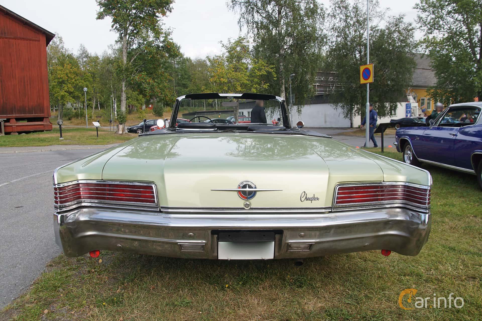 Chrysler 300 Convertible 6.3 V8 TorqueFlite, 330hp, 1966 at Onsdagsträffar på Gammlia Umeå 2019 vecka 32