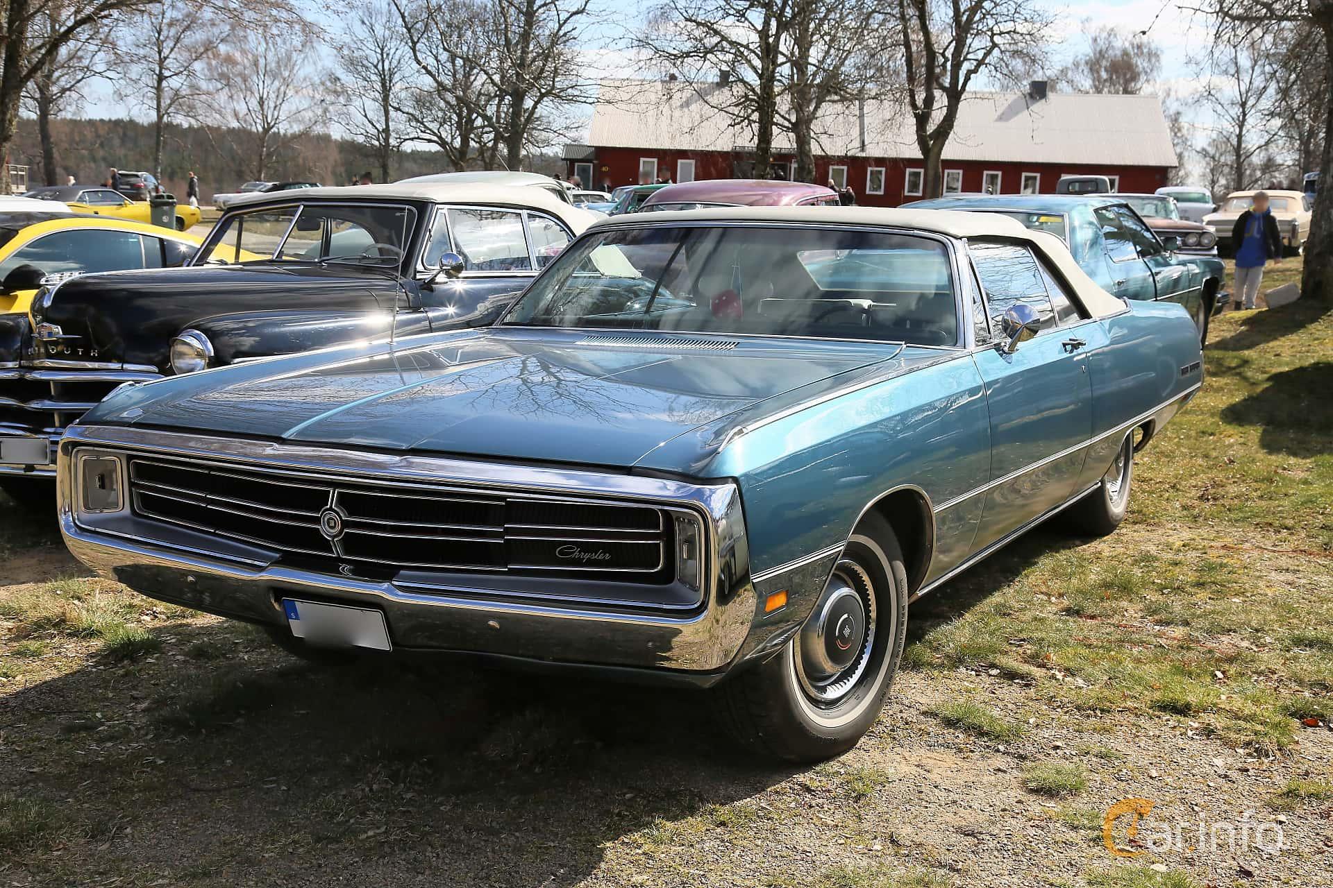 Chrysler Three Hundred Convertible 7.2 V8 TorqueFlite, 355hp, 1969 at Uddevalla Veteranbilsmarknad Backamo, Ljungsk 2019