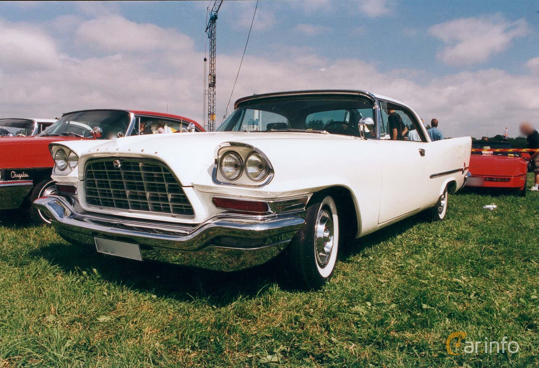 Front/Side  of Chrysler 300C Hardtop 6.4 V8 TorqueFlite, 396ps, 1957