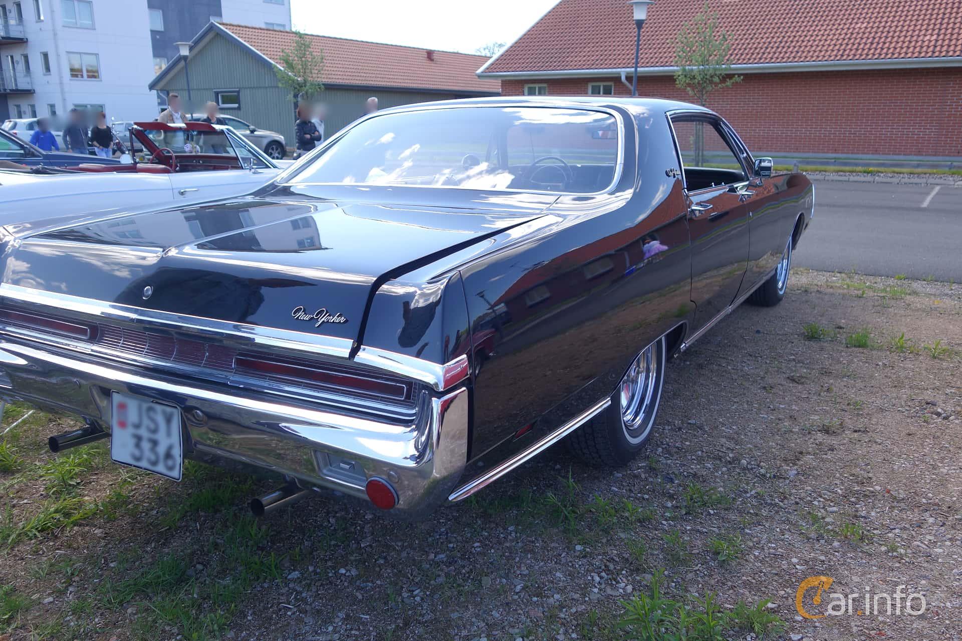 Chrysler New Yorker 4 Door Hardtop 7 2 V8 Torqueflite