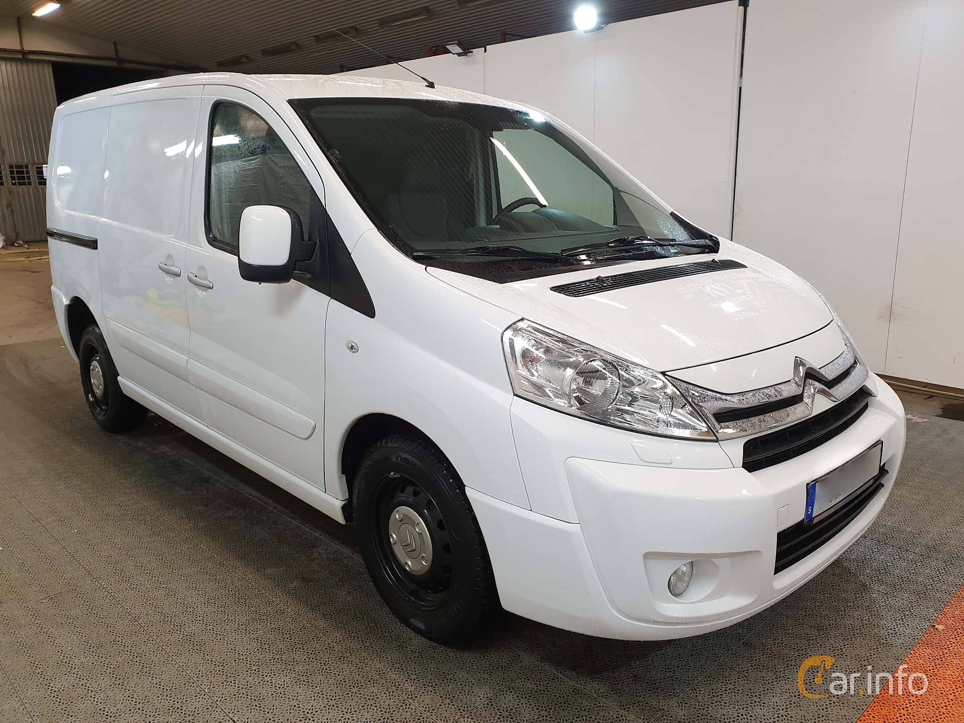 Front/Side  of Citroën Jumpy Van 2.0 HDi Automatic, 163ps, 2015