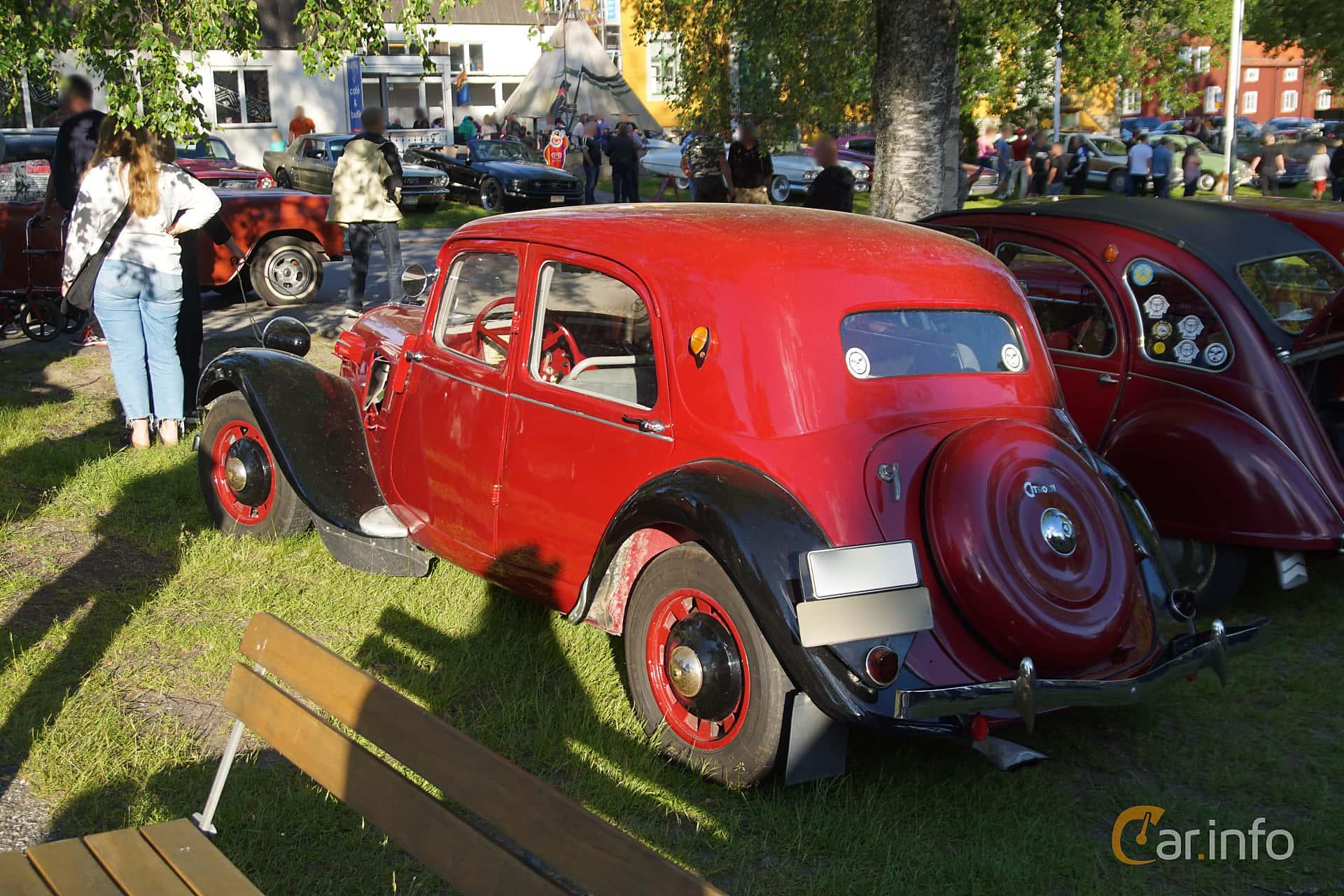Back/Side of Citroën 7 CV Hatchback 1.3 Manual, 46ps, 1939 at Onsdagsträffar på Gammlia Umeå 2019 vecka 25