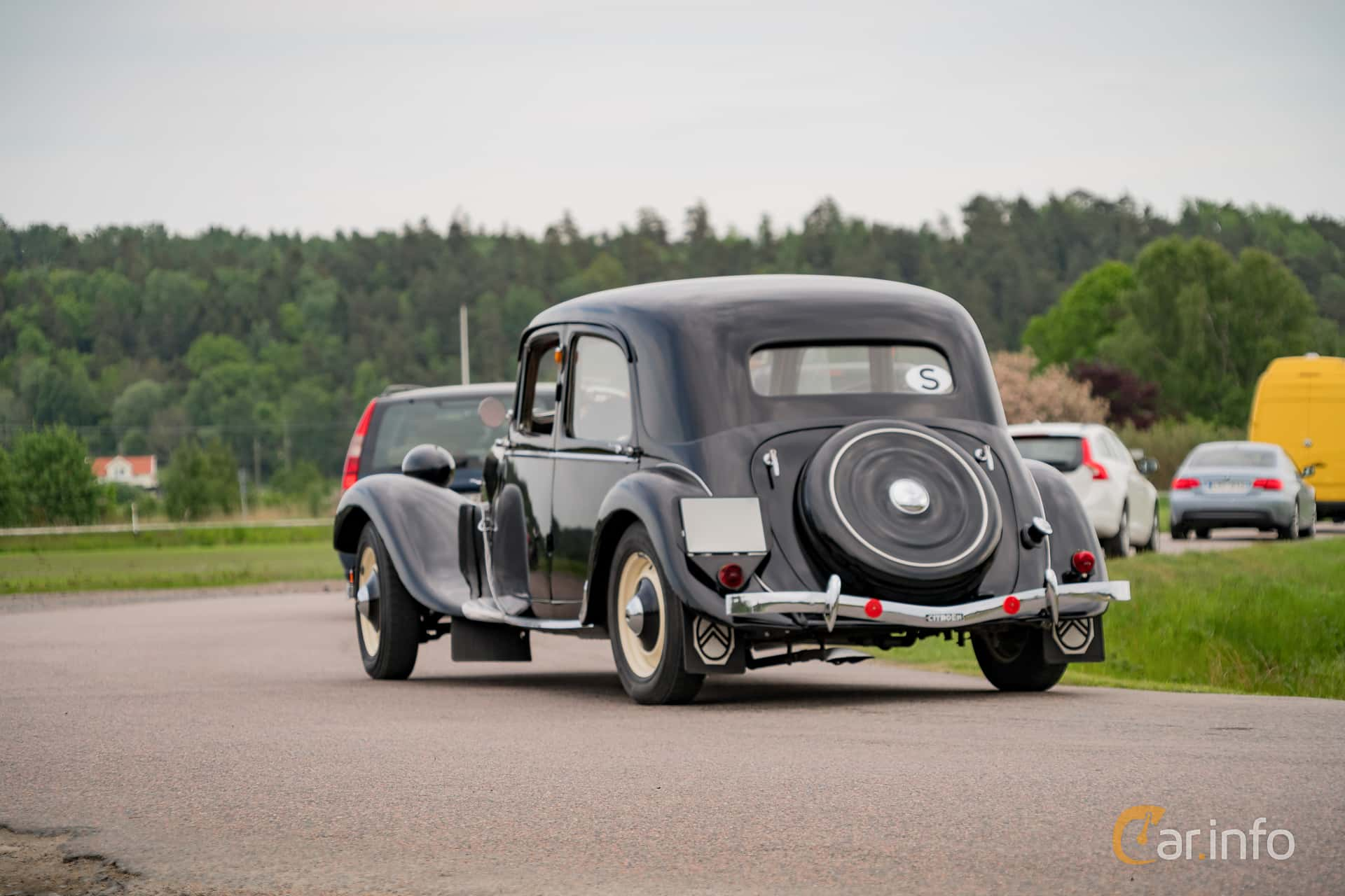 Citroën 11 CV Sedan 1.9 Manual, 56hp, 1947 at Tjolöholm Classic Motor 2016