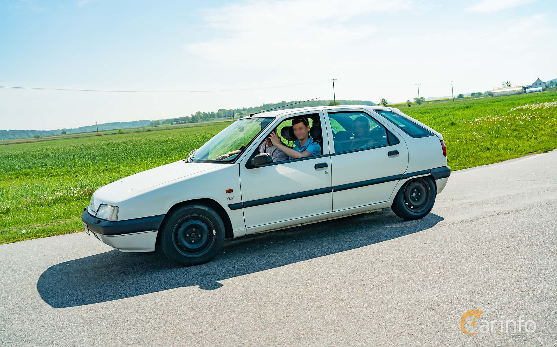 Side  of Citroën ZX 1.6 Manual, 88ps, 1992 at Tjolöholm Classic Motor 2019