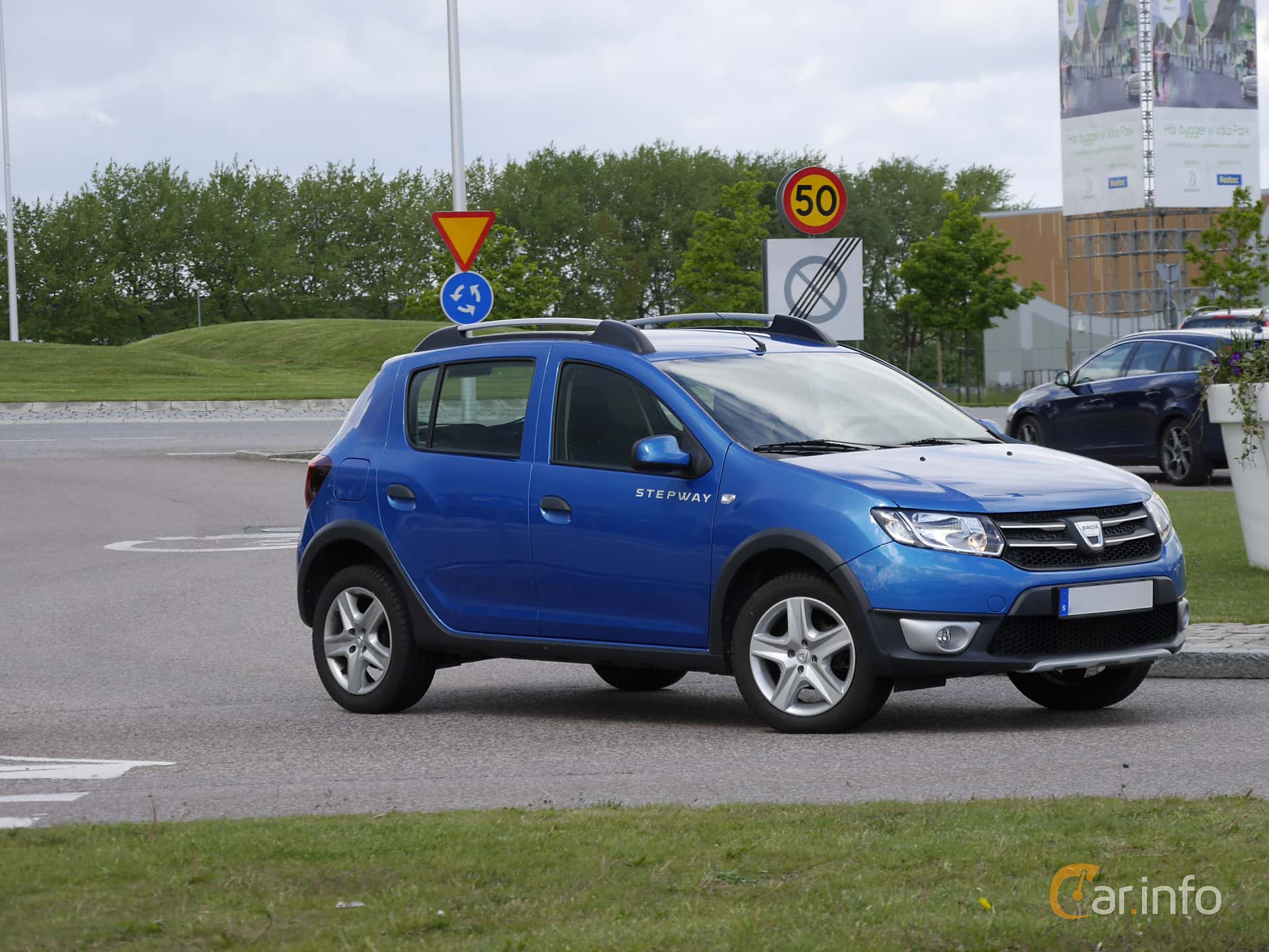 dacia sandero stepway 1 5 dci manual 90hp 2017. Black Bedroom Furniture Sets. Home Design Ideas