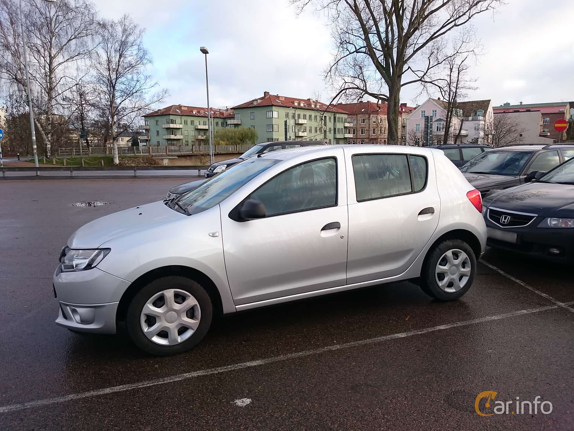 dacia sandero 2nd generation 1 2 lpg eco2 manual 5 speed. Black Bedroom Furniture Sets. Home Design Ideas