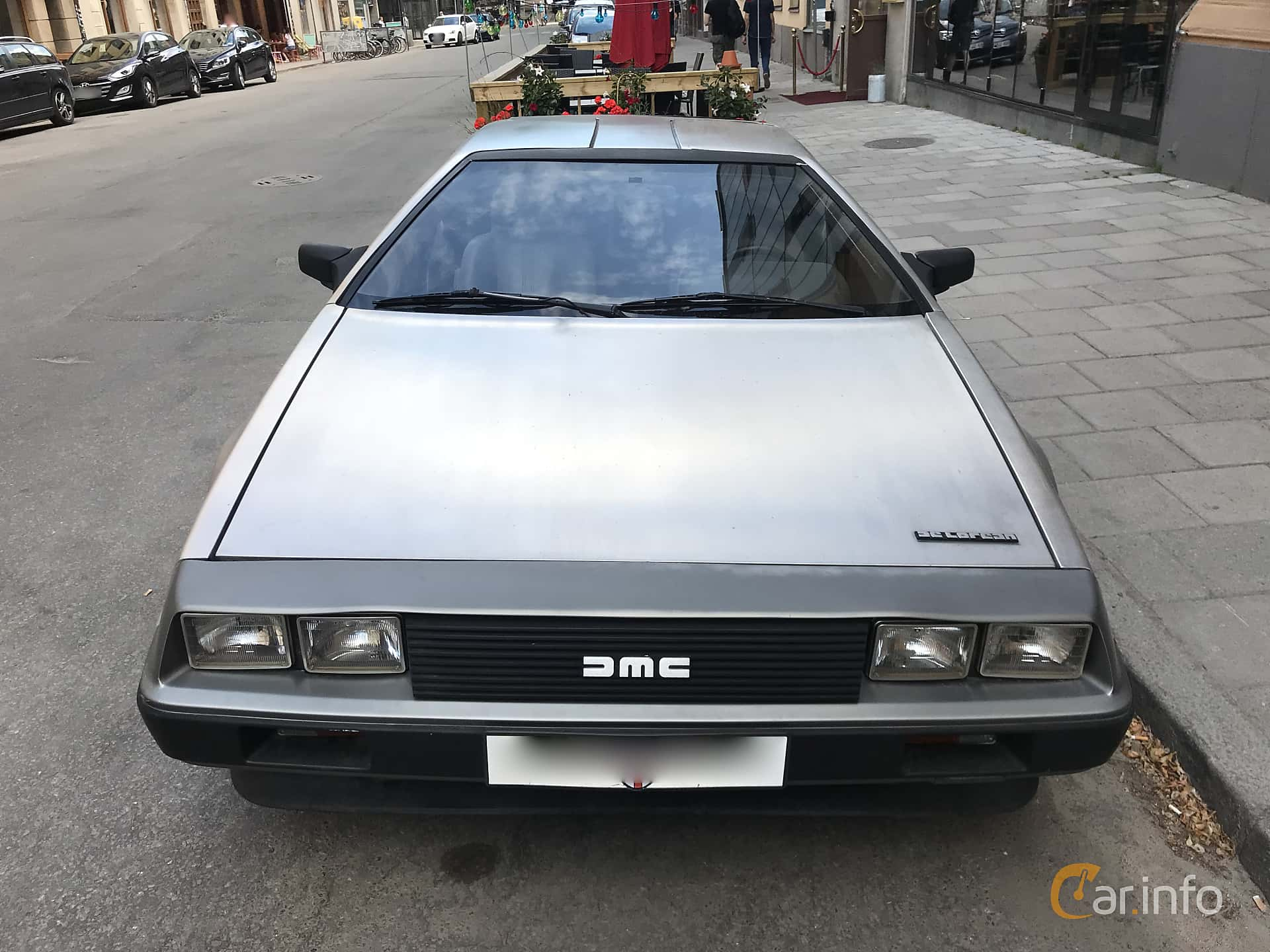 Front  of DeLorean DMC-12 2.8 V6 Automatic, 132ps, 1982