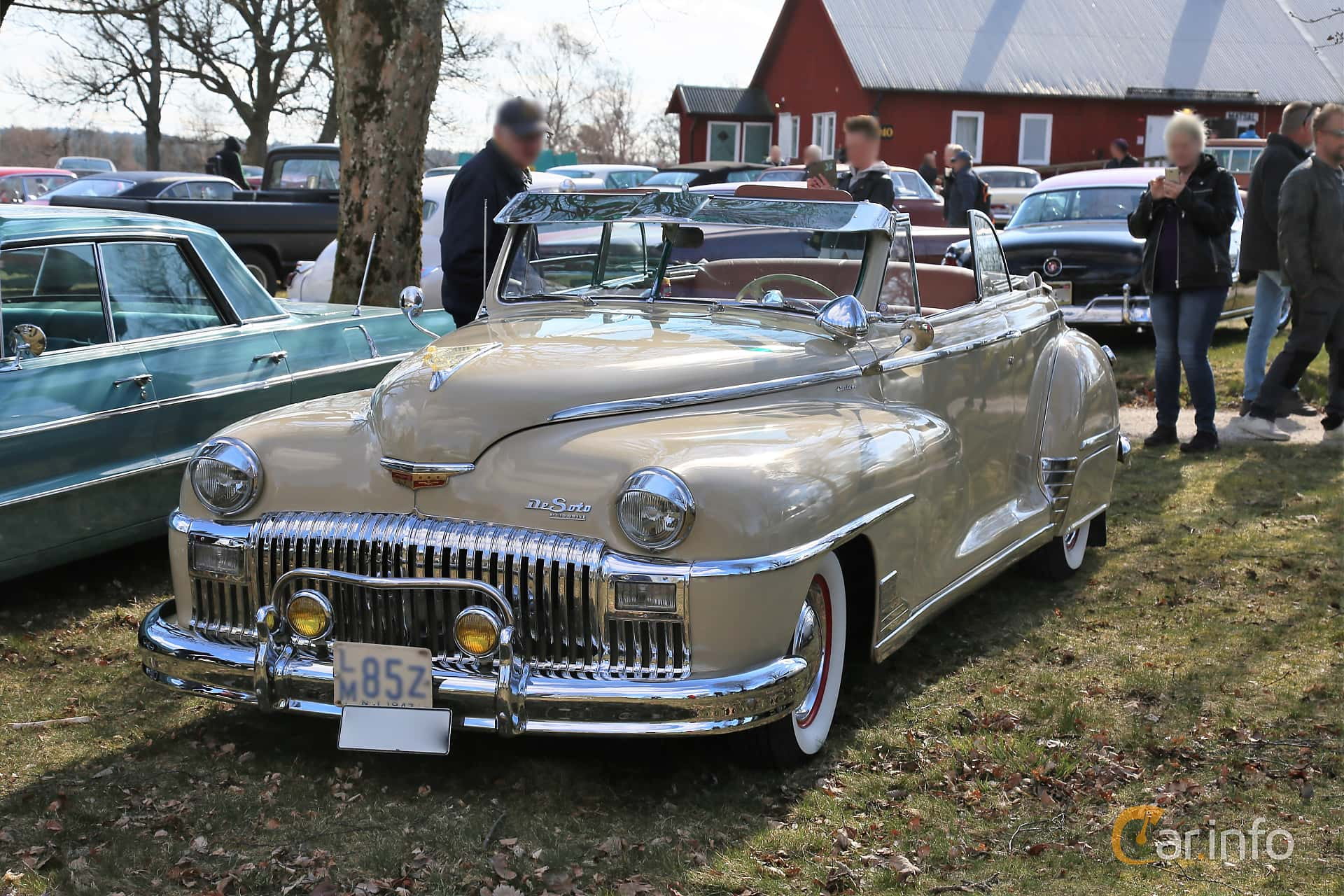 DeSoto Custom Convertible Club Coupé 3.9 Semi-Automatic, 111hp, 1947 at Uddevalla Veteranbilsmarknad Backamo, Ljungsk 2019