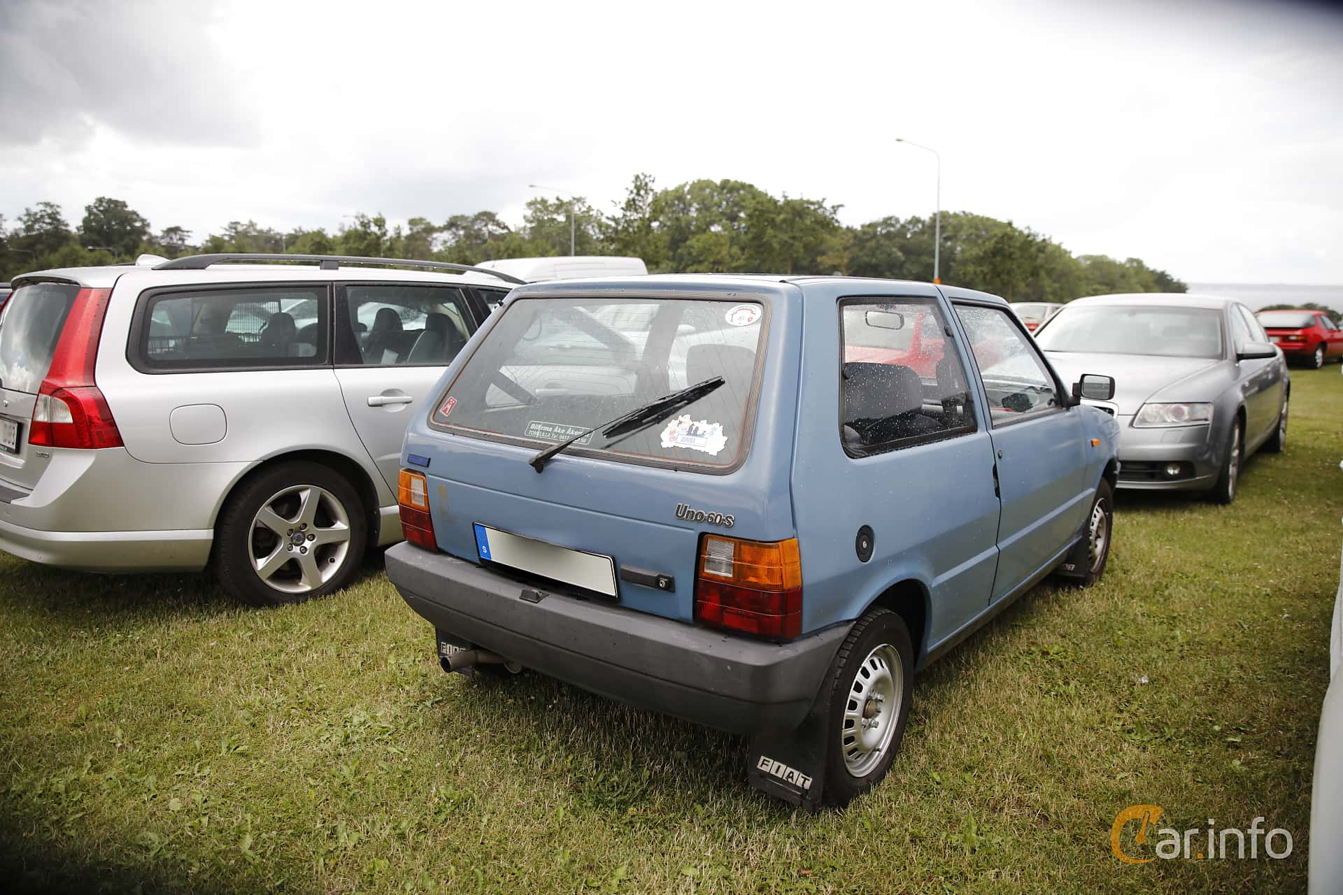 Back/Side of Fiat Uno 5-door 1.1 Manual, 58ps, 1986 at