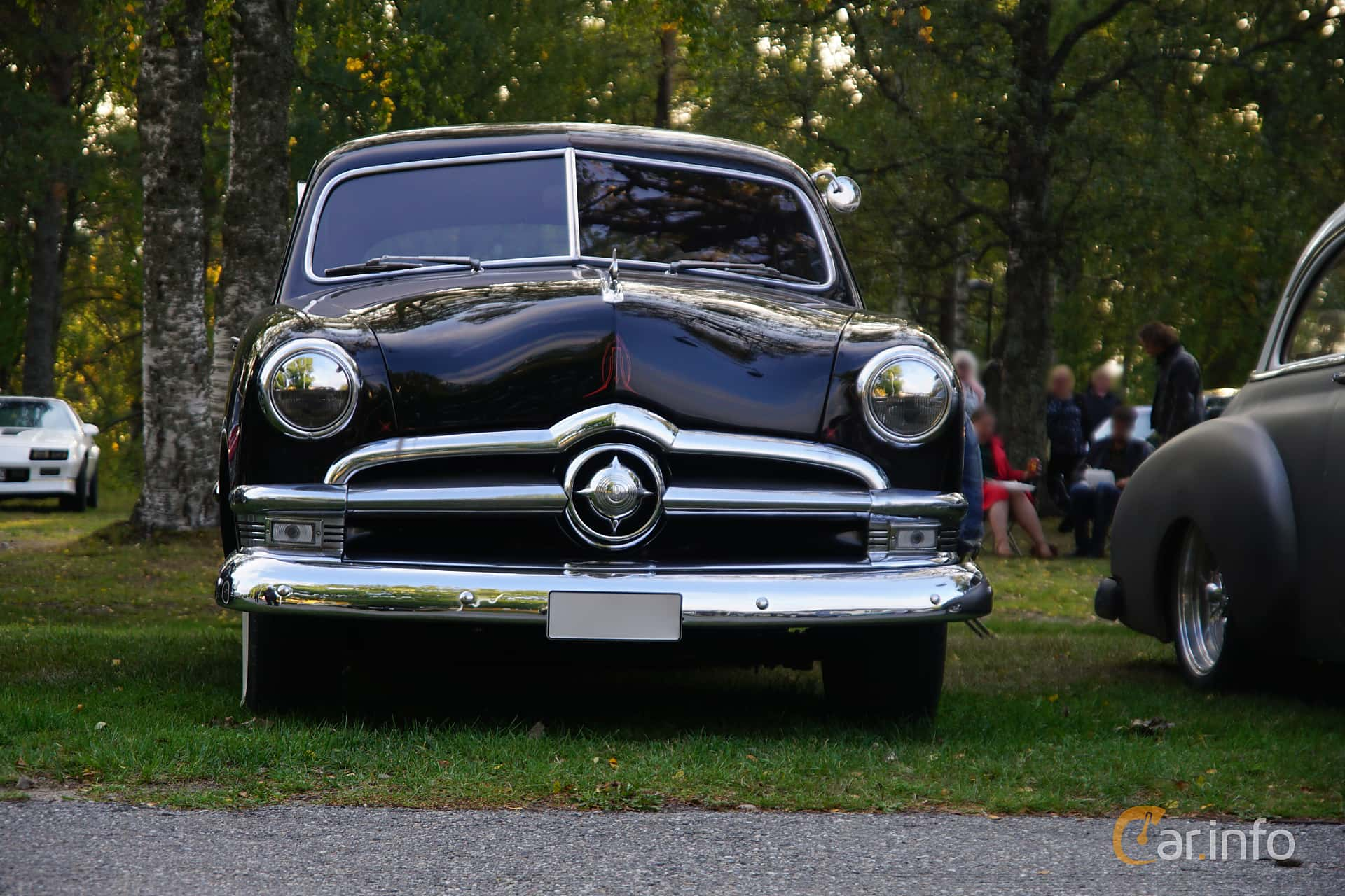Ford Custom Deluxe Tudor Sedan 3.9 V8 Manual, 102hp, 1950 at Onsdagsträffar på Gammlia Umeå v.35 / 2018