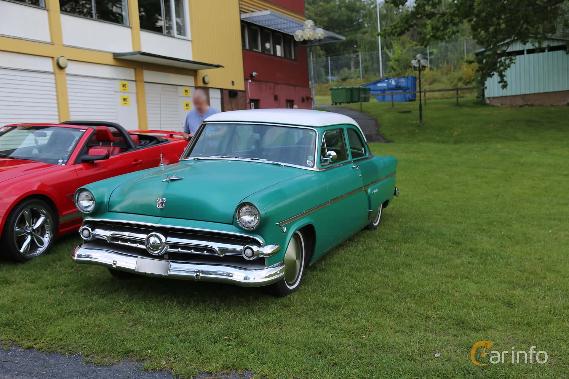 Ford Customline Coupé 3.9 V8 Automatic, 132hp, 1954 at Bil & MC-träffar i Huskvarna Folkets Park 2019 Amerikanska fordon
