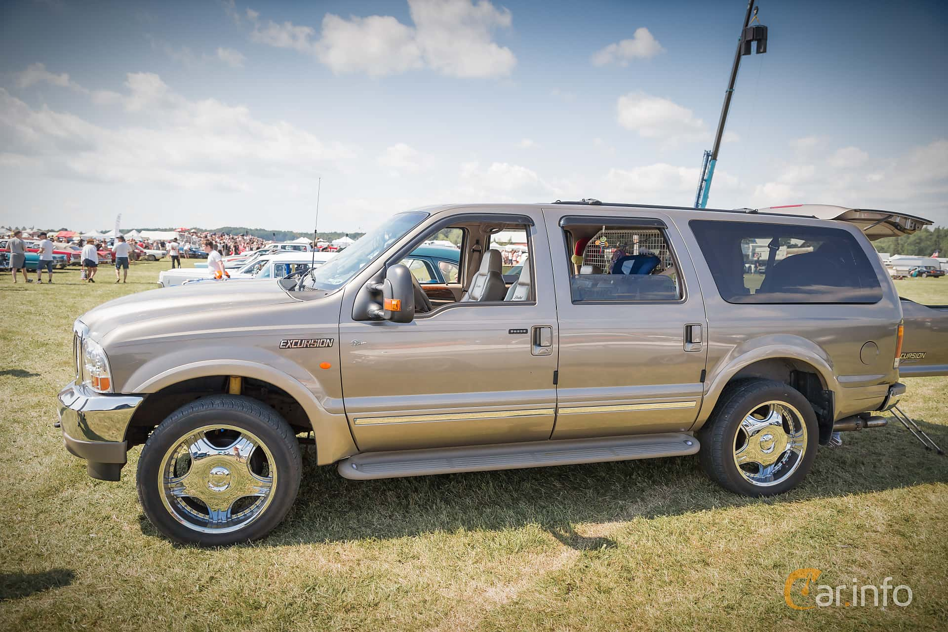 ford excursion side power big meet 2015 1