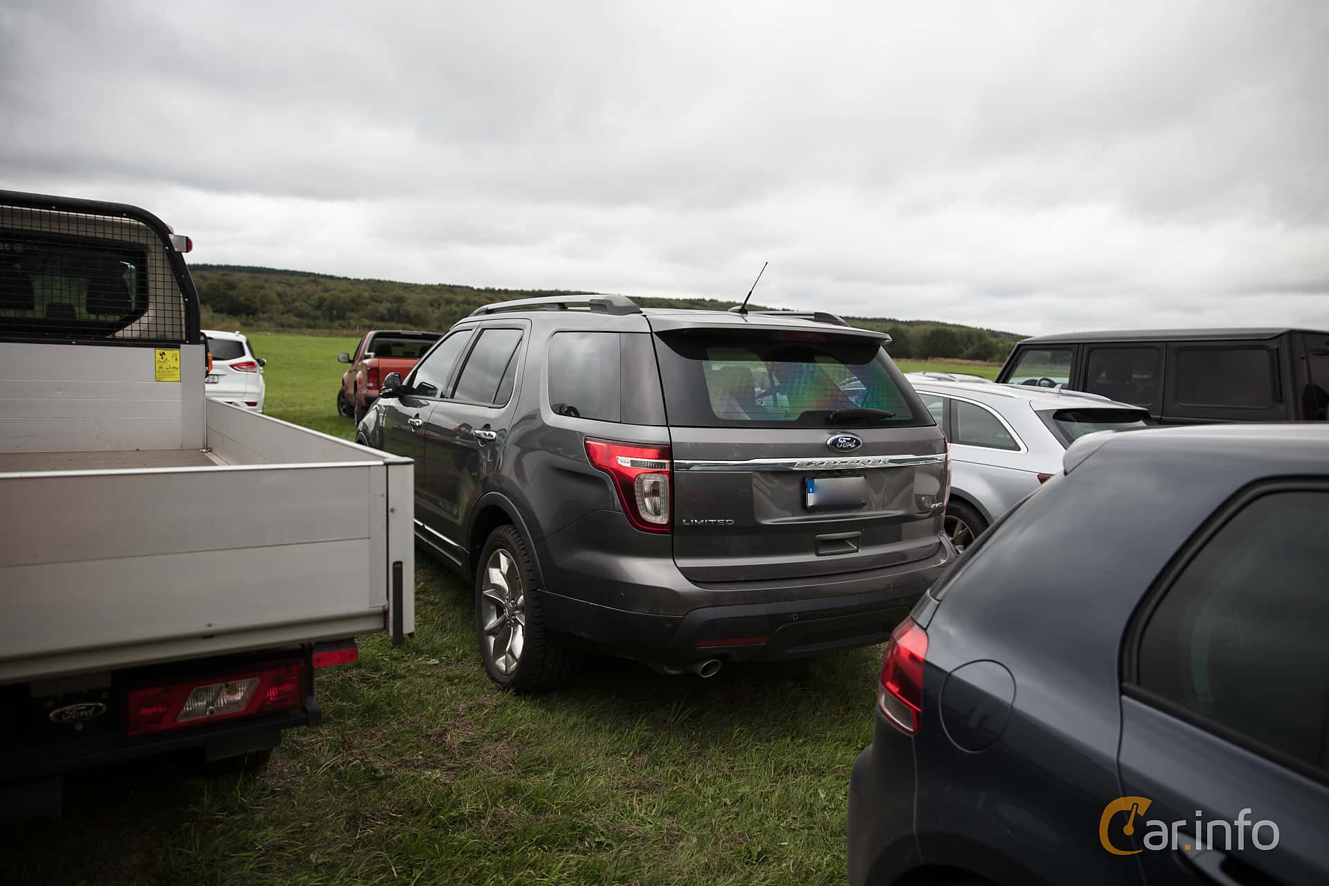 Ford Explorer 3.5 V6 4WD SelectShift, 294hp, 2013 at Autoropa Racing day Knutstorp 2018
