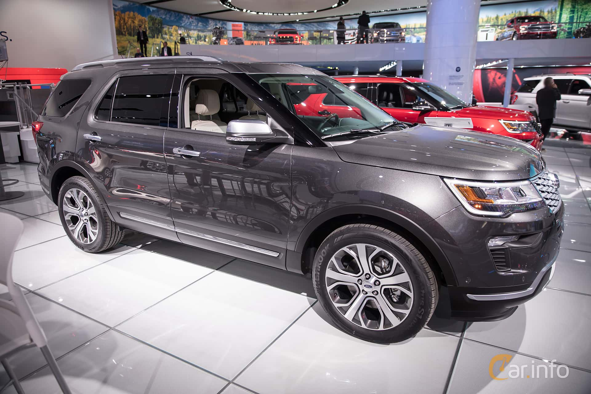 Ford Explorer 3.5 V6 Ecoboost 4x4 SelectShift, 370hp, 2018 at North American International Auto Show 2018