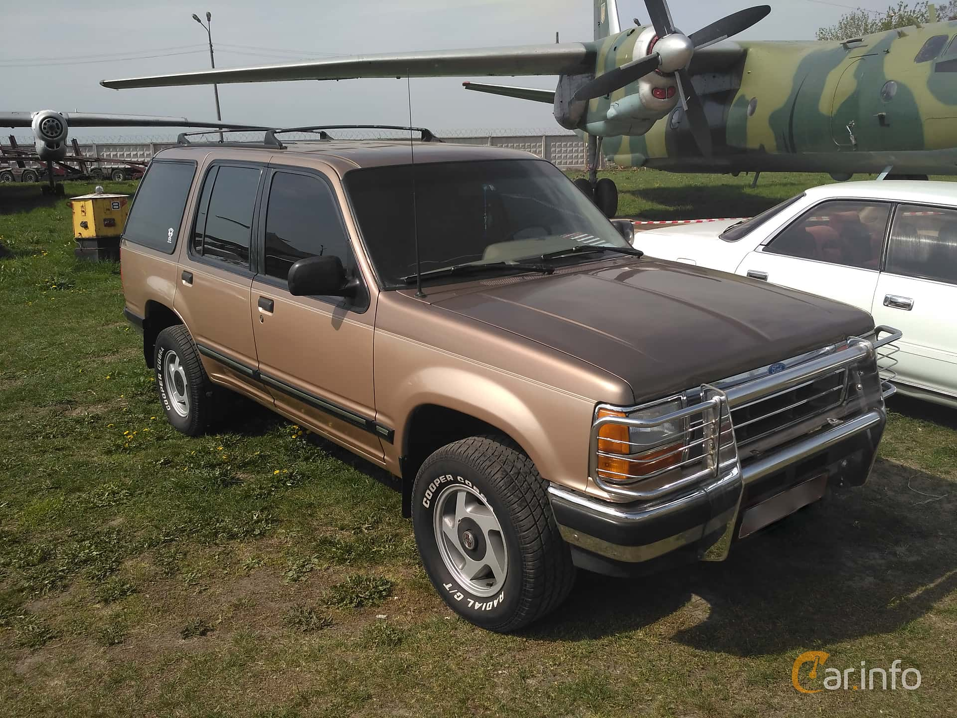 Ford Explorer 4.0 V6 4WD Manual, 147hp, 1992 at Old Car Land no.1 2017