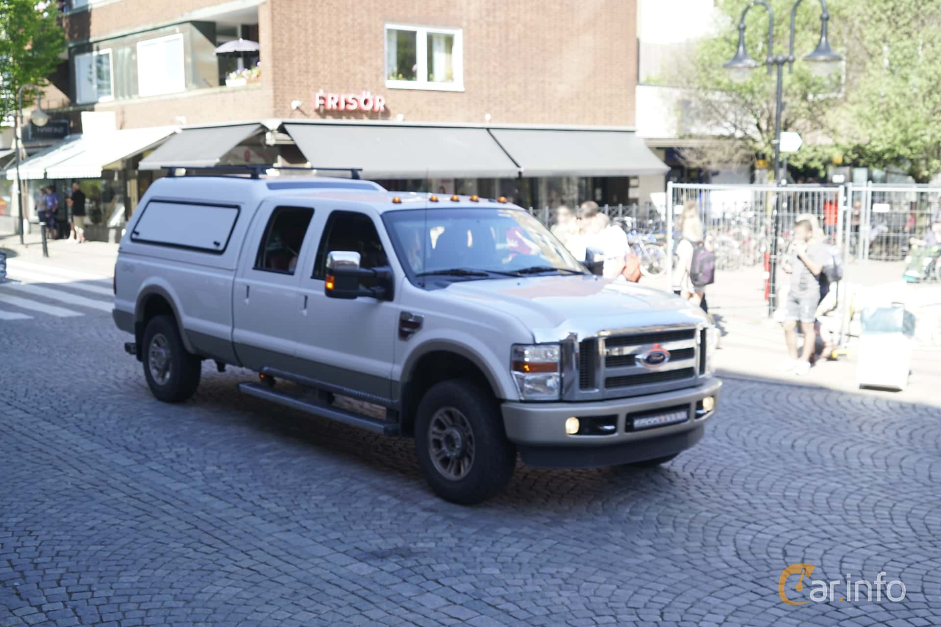 Front/Side  of Ford F-250 Crew Cab 6.4 V8 4x4 Automatic, 355ps, 2010 at Hässleholm Power Start of Summer Meet 2017