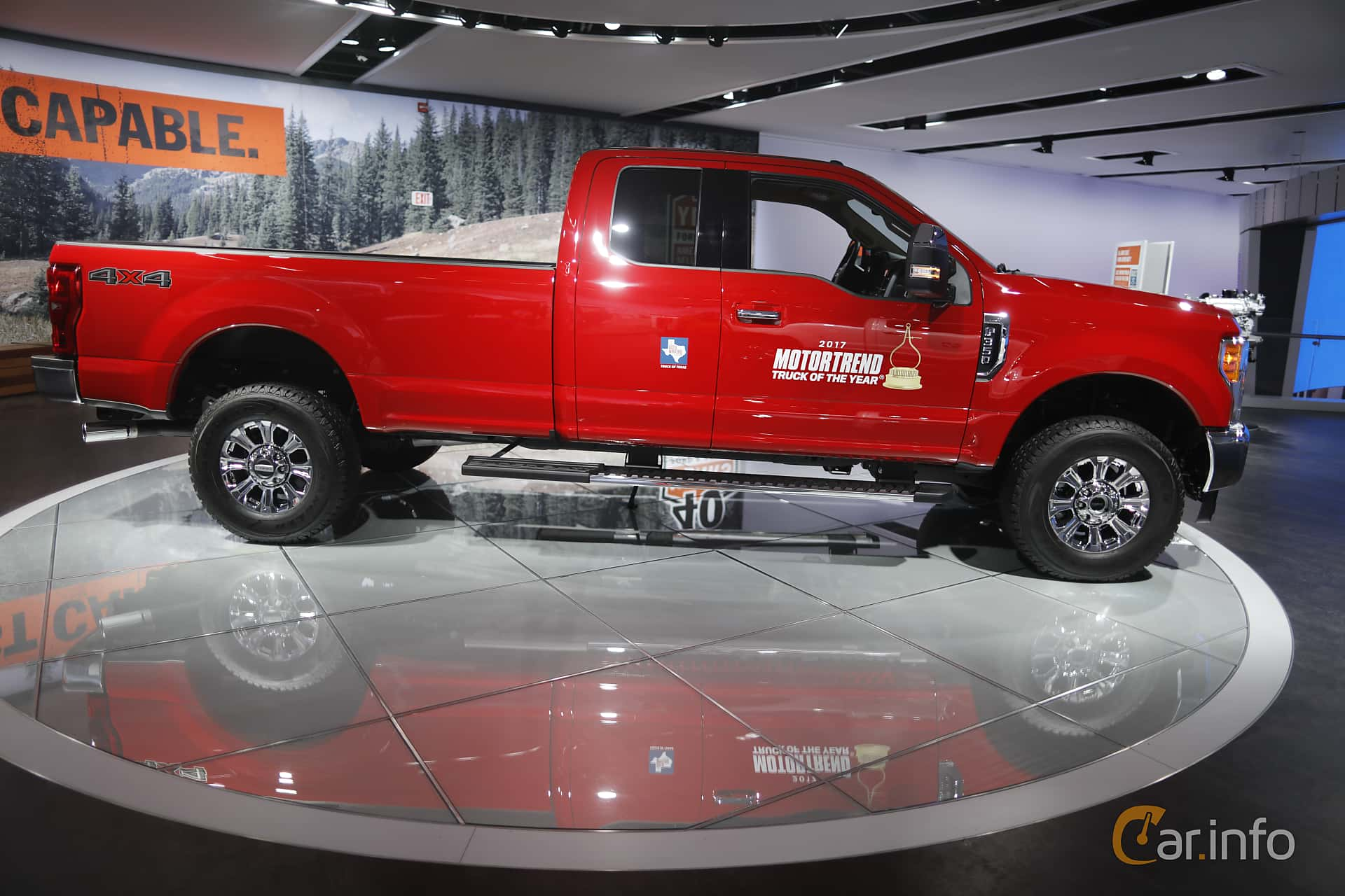 Ford F-350 SuperCab 6.2 V8 FFV 4x4 Automatic, 390hp, 2017 at North American International Auto Show 2017