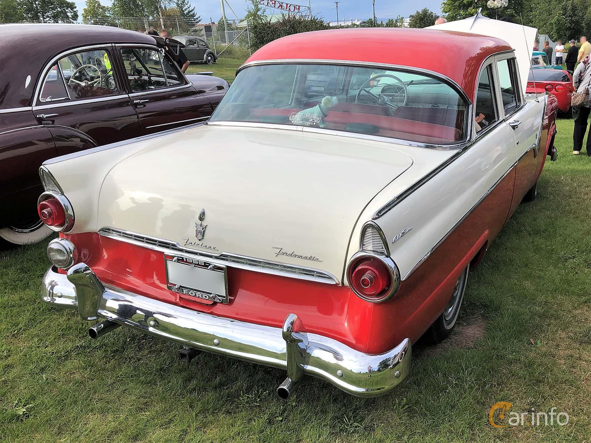 Back/Side of Ford Fairlane Club Sedan 4.5 V8 Automatic, 165ps, 1955 at Bil & MC-träffar i Huskvarna Folkets Park 2019 vecka 32 tema Hot Rods