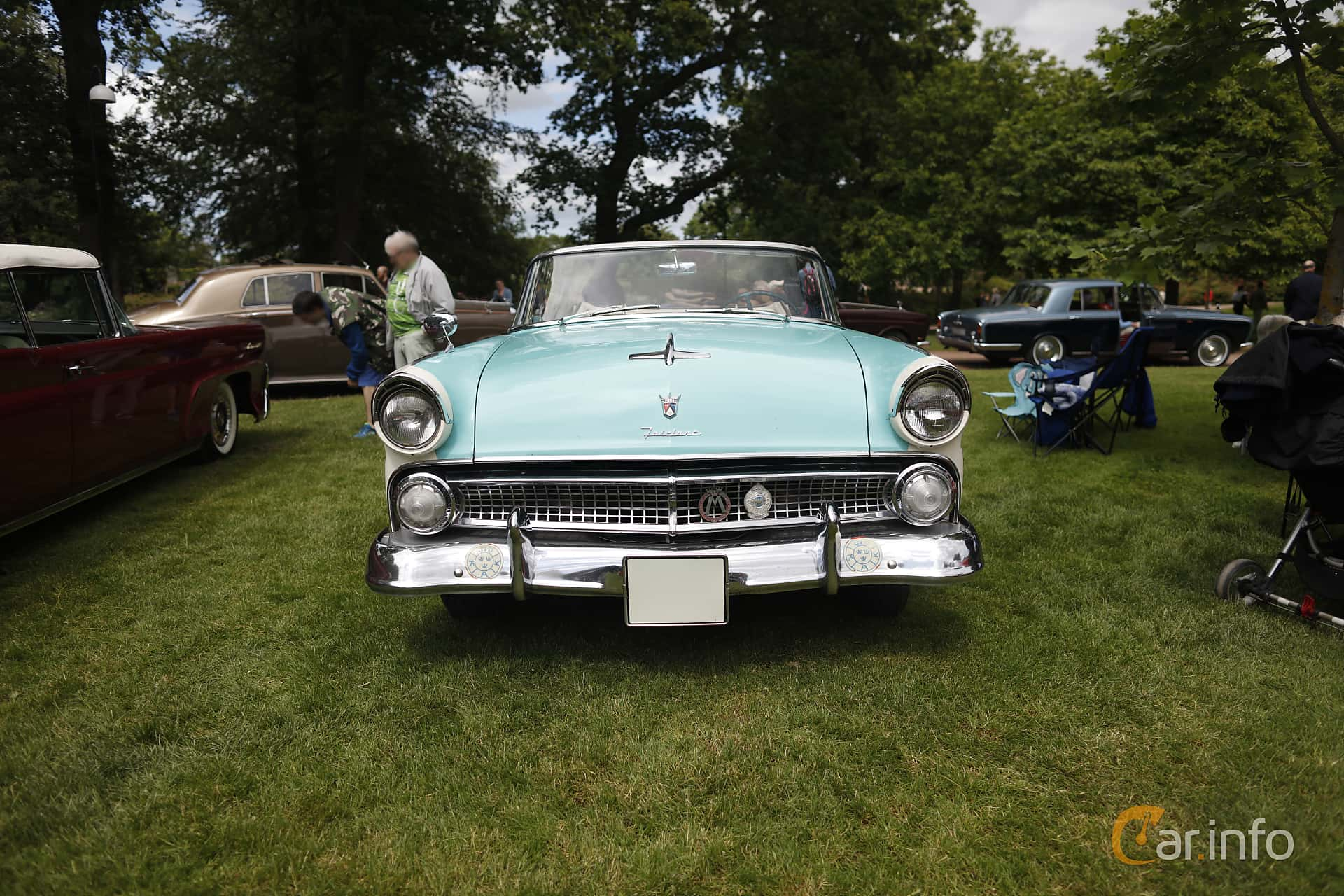 Front  of Ford Fairlane Sunliner 4.5 V8 Manual, 165ps, 1955 at Sofiero Classic 2019