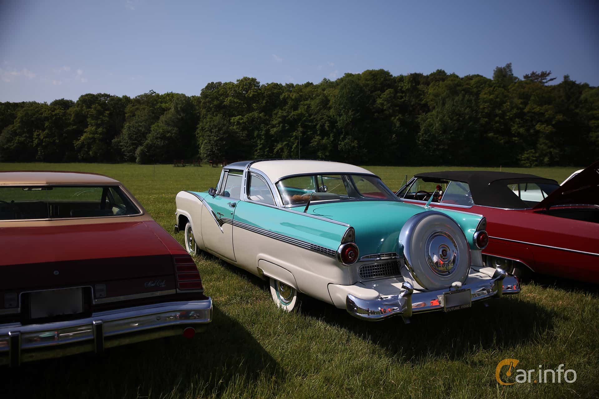 Ford Fairlane Crown Victoria Skyliner 4.5 V8 Manual, 165hp, 1955 at Tjolöholm Classic Motor 2018