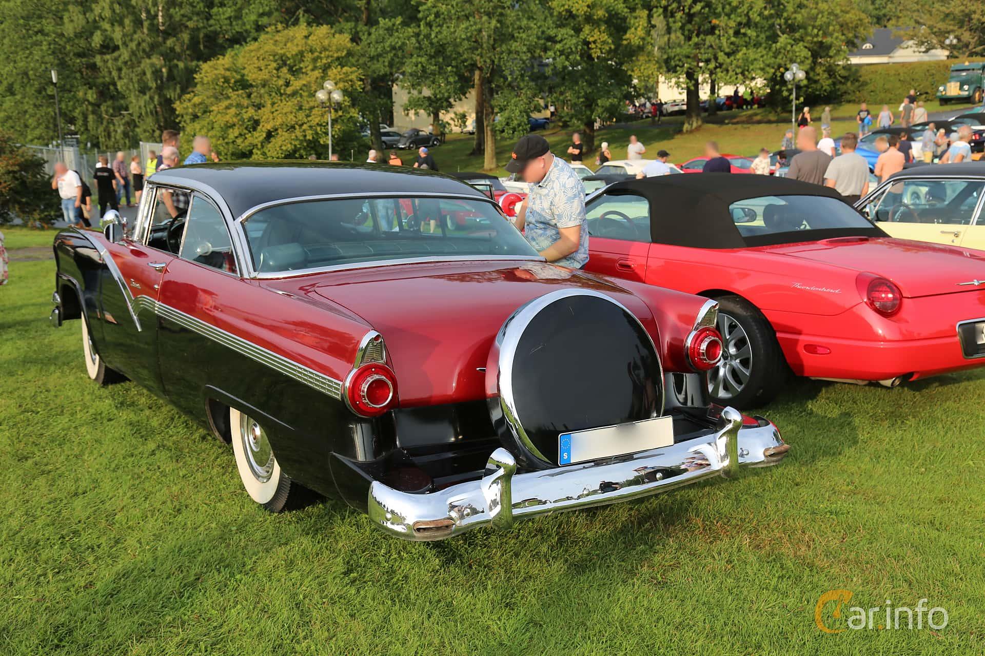 Back/Side of Ford Fairlane Victoria 4.8 V8 Automatic, 205ps, 1956 at Bil & MC-träffar i Huskvarna Folkets Park 2019 Amerikanska fordon