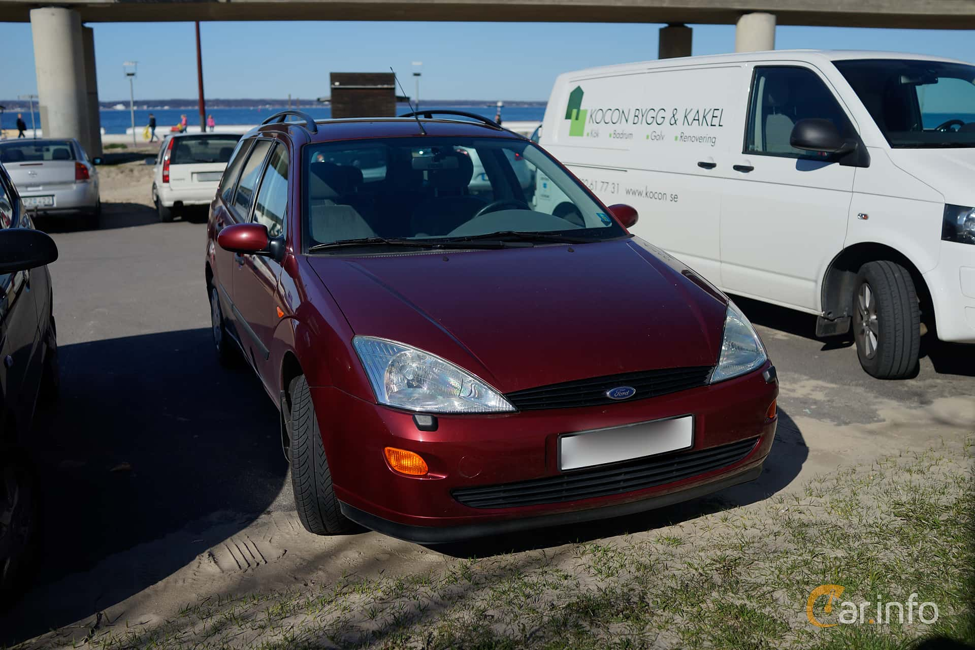 2 Images Of Ford Focus Turnier 16 Manual 101hp 2000 By Se Sedan Front Side 101ps