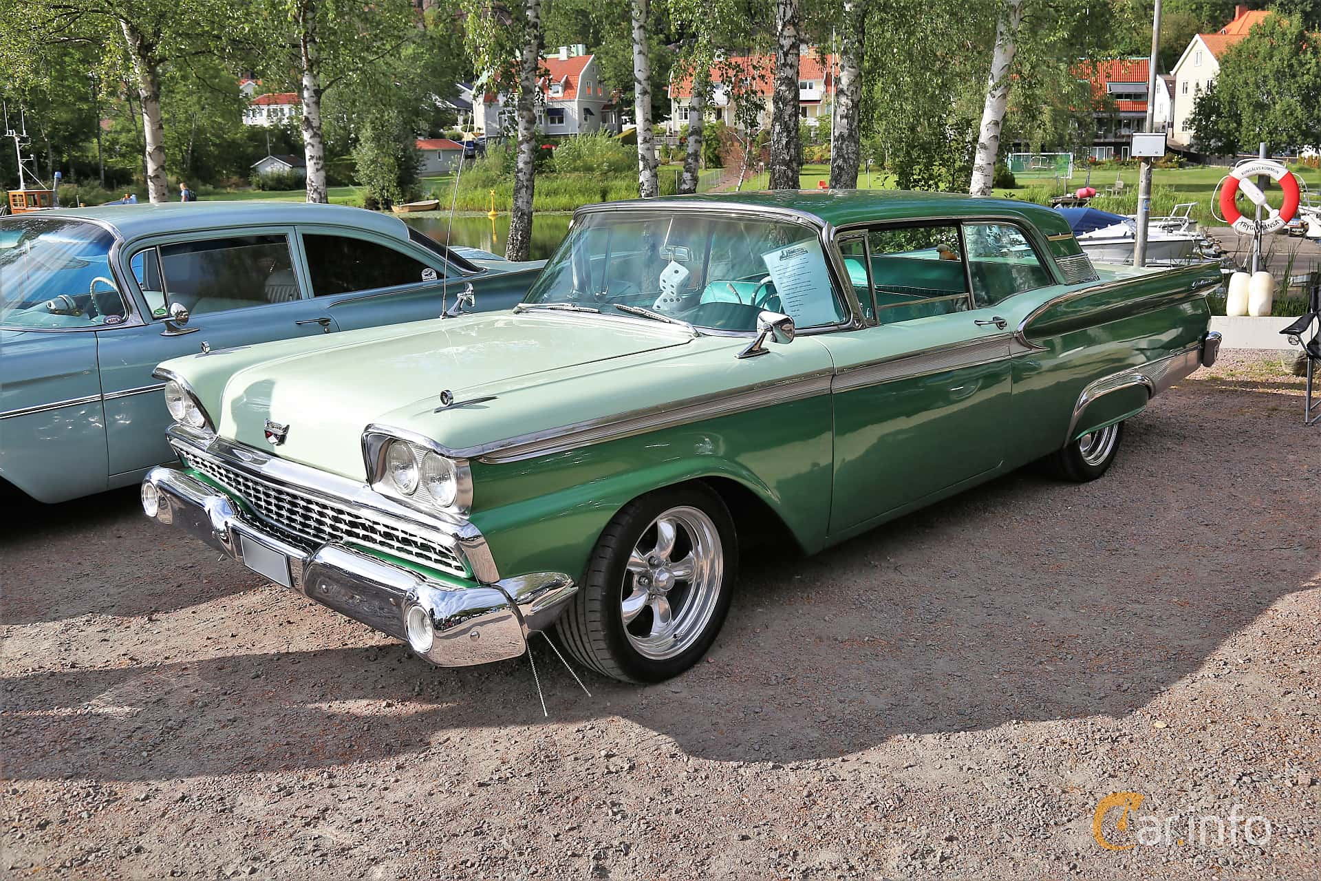 Front/Side  of Ford Galaxie Club Victoria 4.8 V8 Automatic, 203ps, 1959 at Kungälvs Kulturhistoriska Fordonsvänner  2019 Torsdag vecka 31