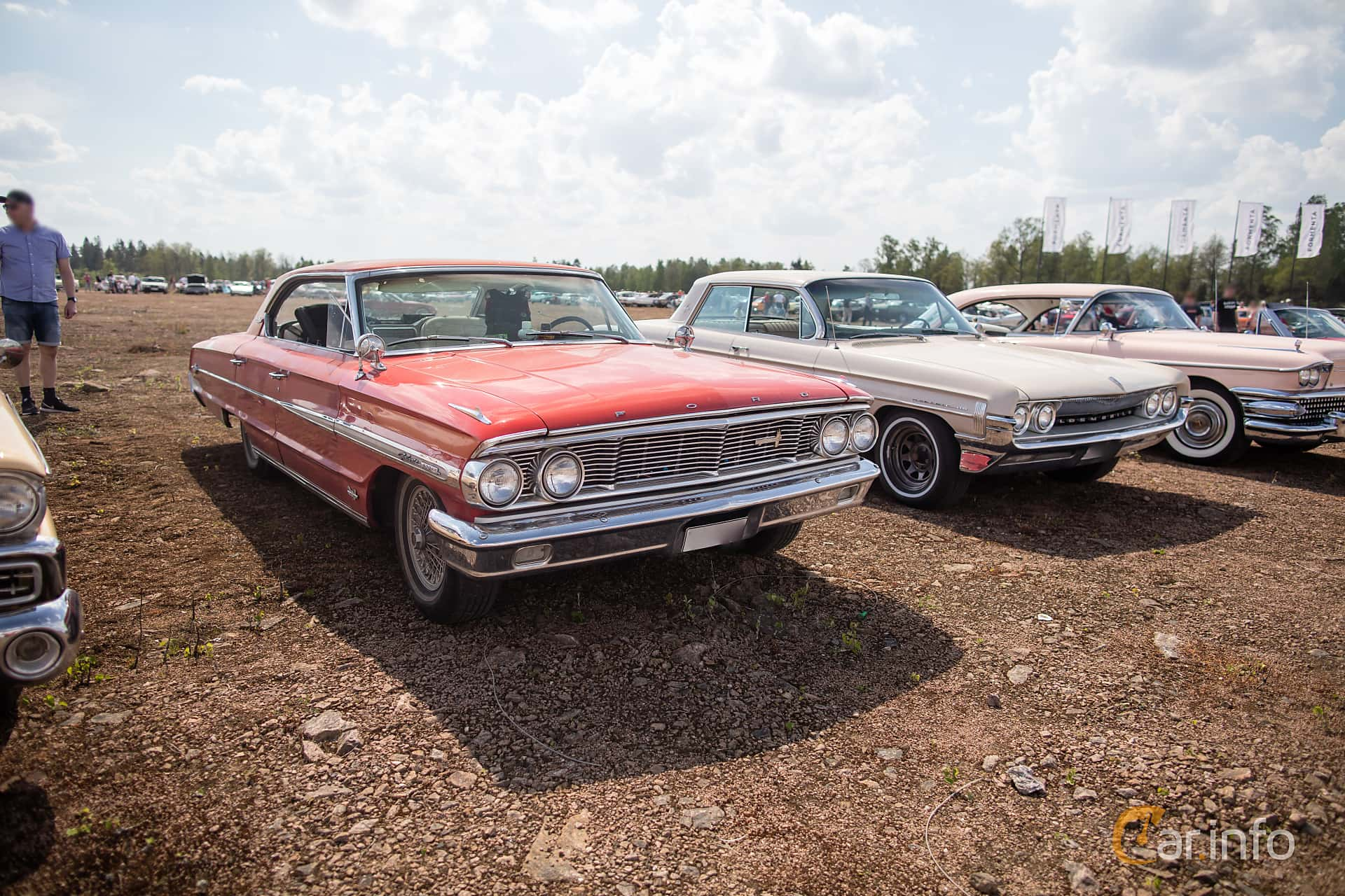 4 Images Of Ford Galaxie 500 Xl 4 Door Hardtop 6 4 V8 Automatic